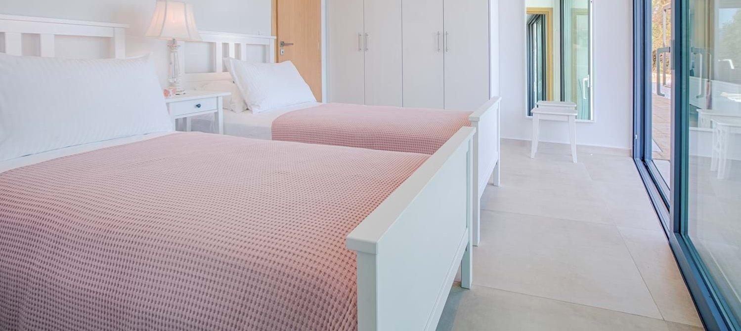 villa-saloma-meganissi-twin-bedroom-1