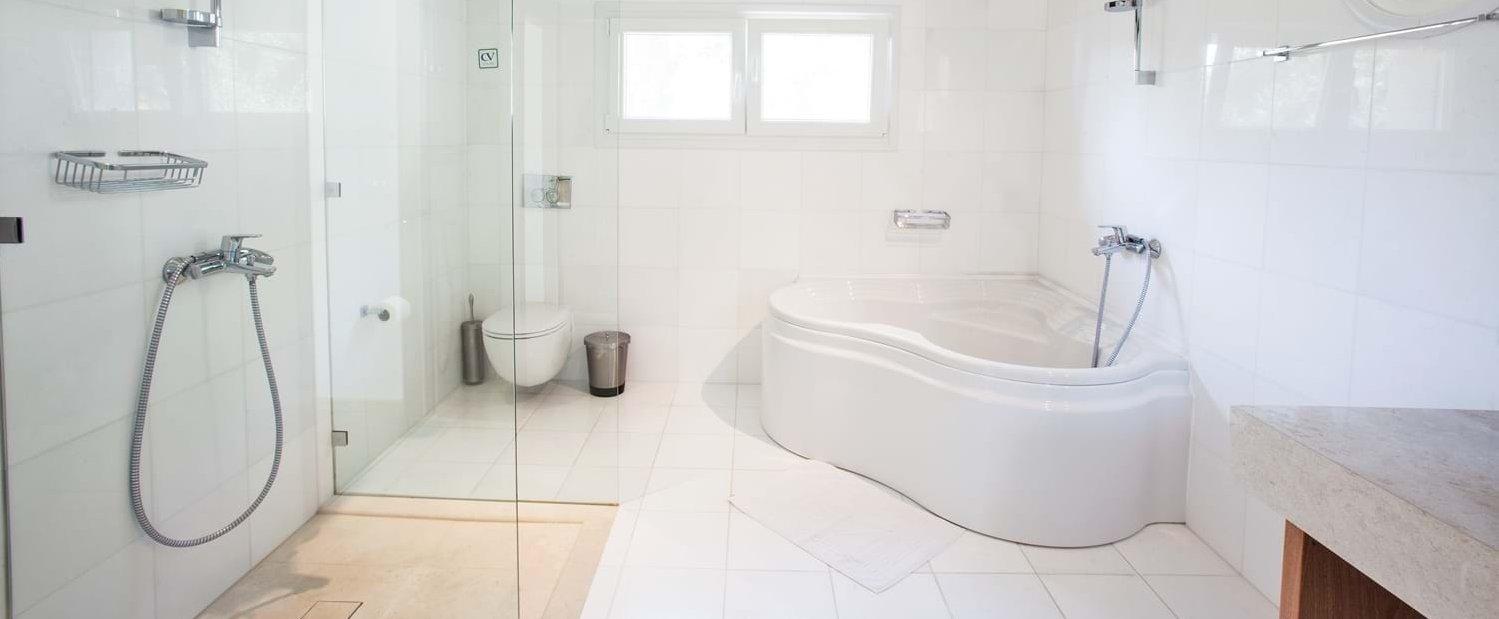double-bedroom-2-ensuite-bathroom