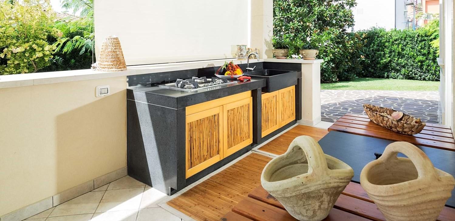 beach-view-house-outdoor-kitchen