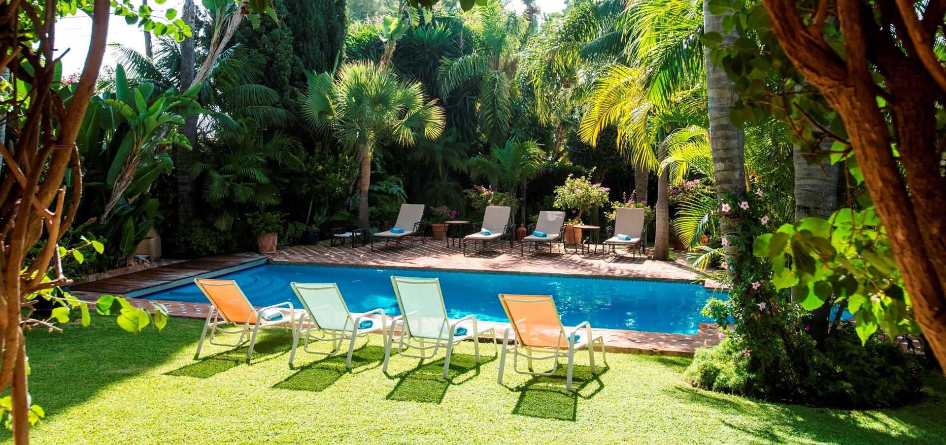 luxury-4-bed-villa-marbella-pool