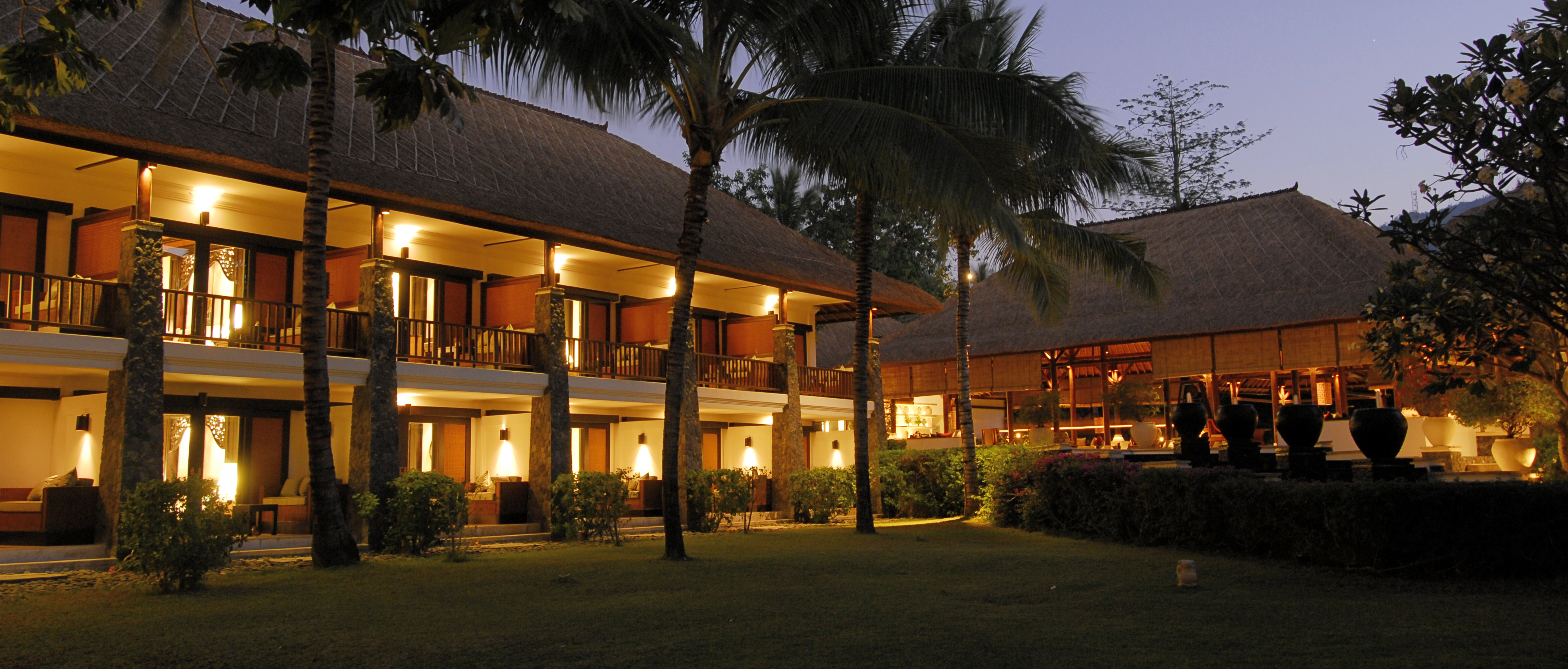 spa-village-tembok-night