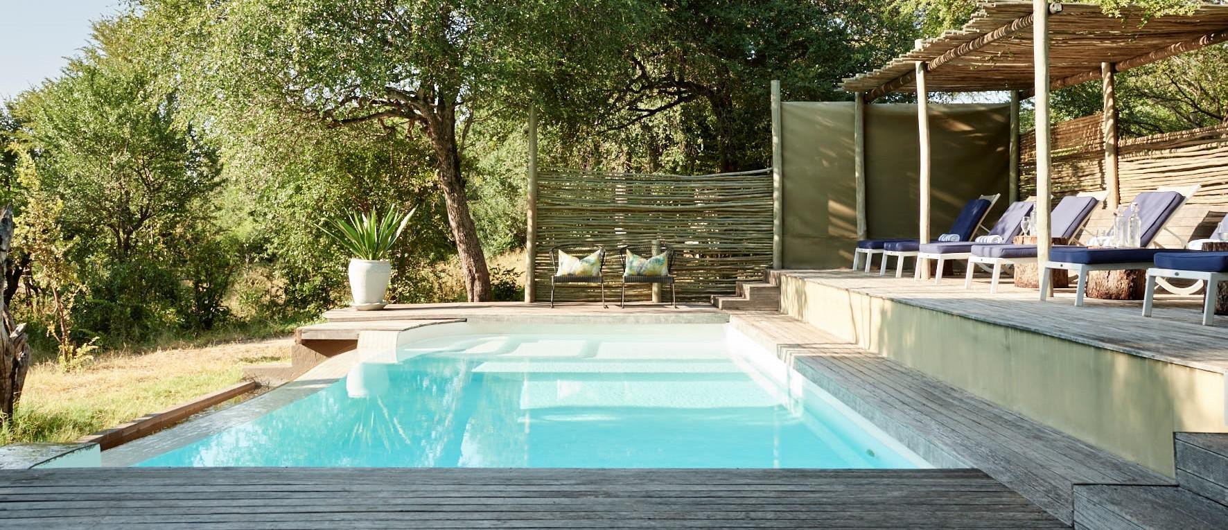 victoria-falls-river-lodge-swimming-pool