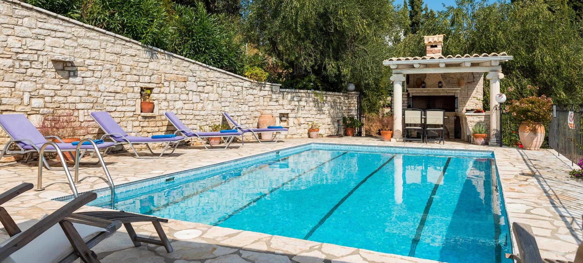 villa-giorgos-corfu-pool