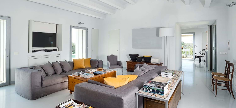 casa-iblea-luxury-open-plan-interior
