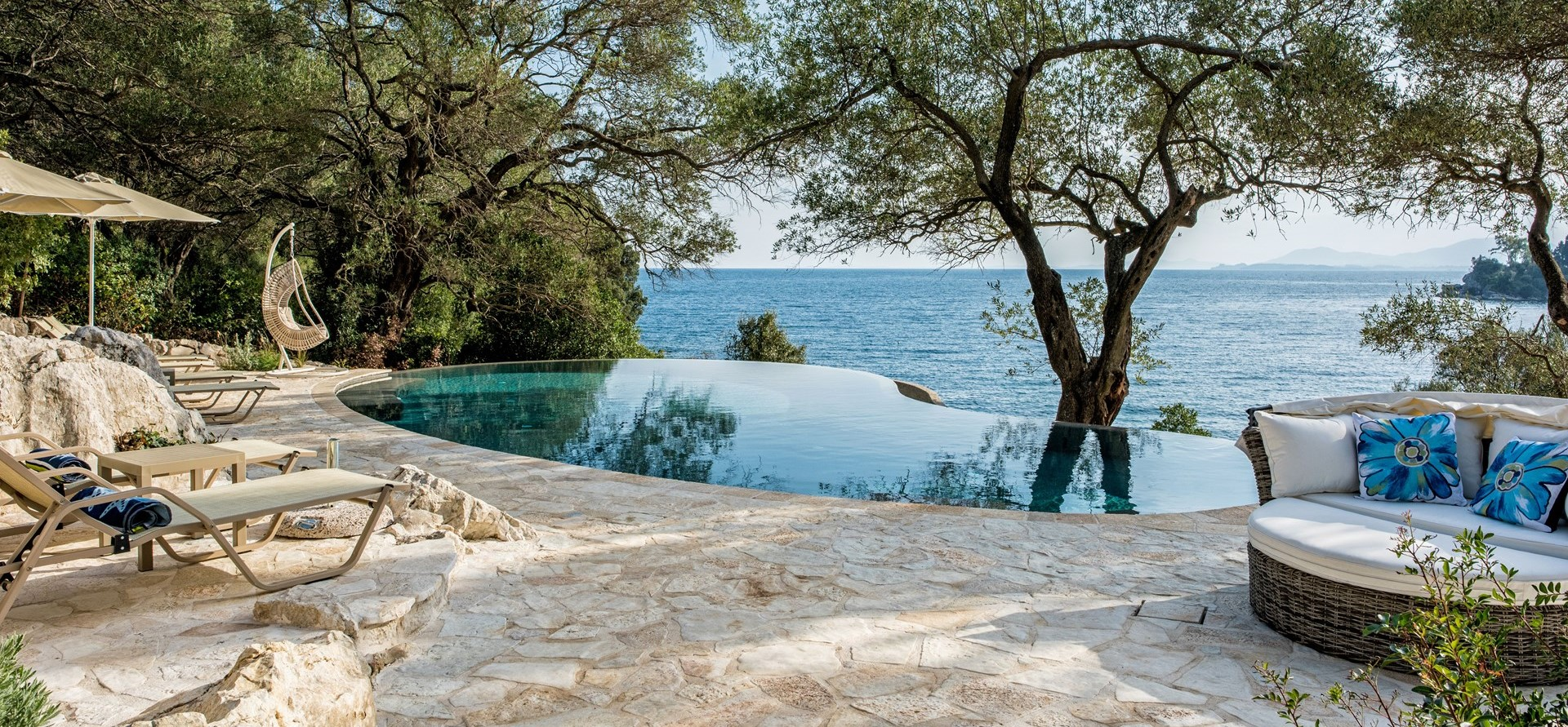 pebble-bay-luxury-villa-corfu
