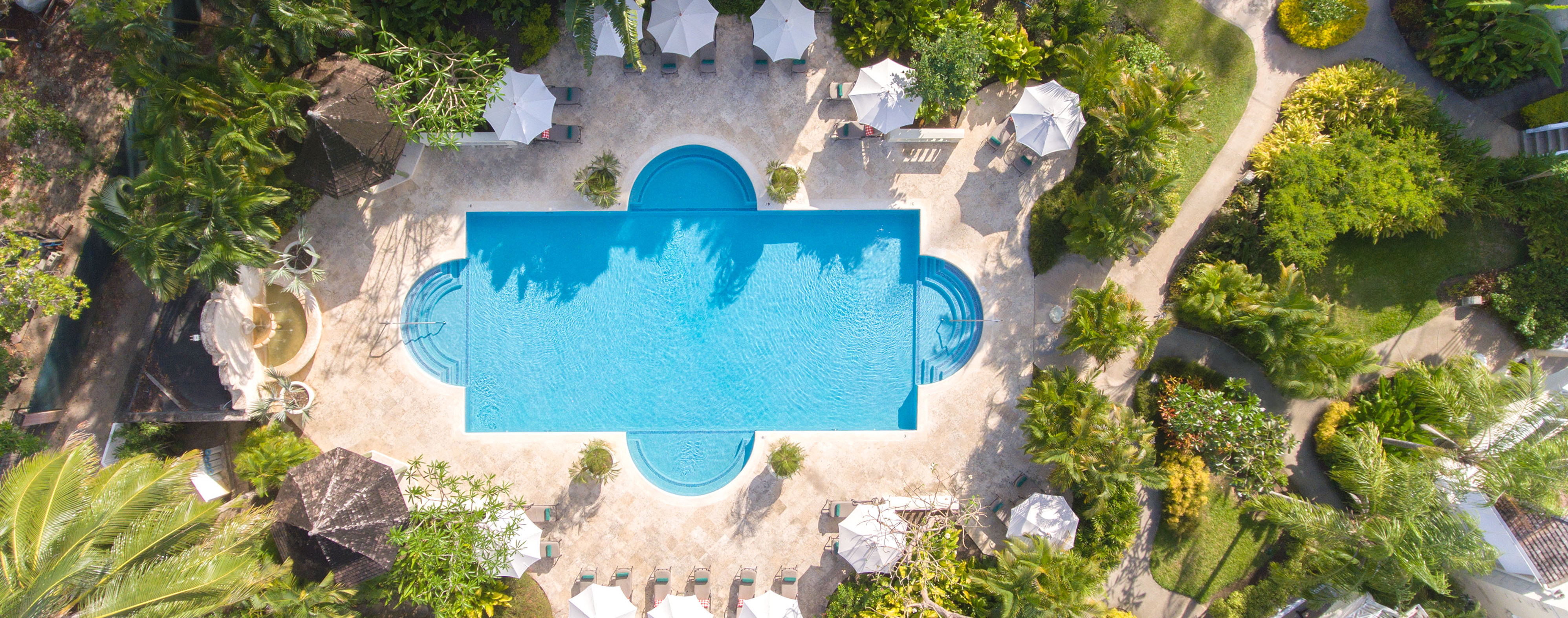 coral-reef-club-pool-aerial