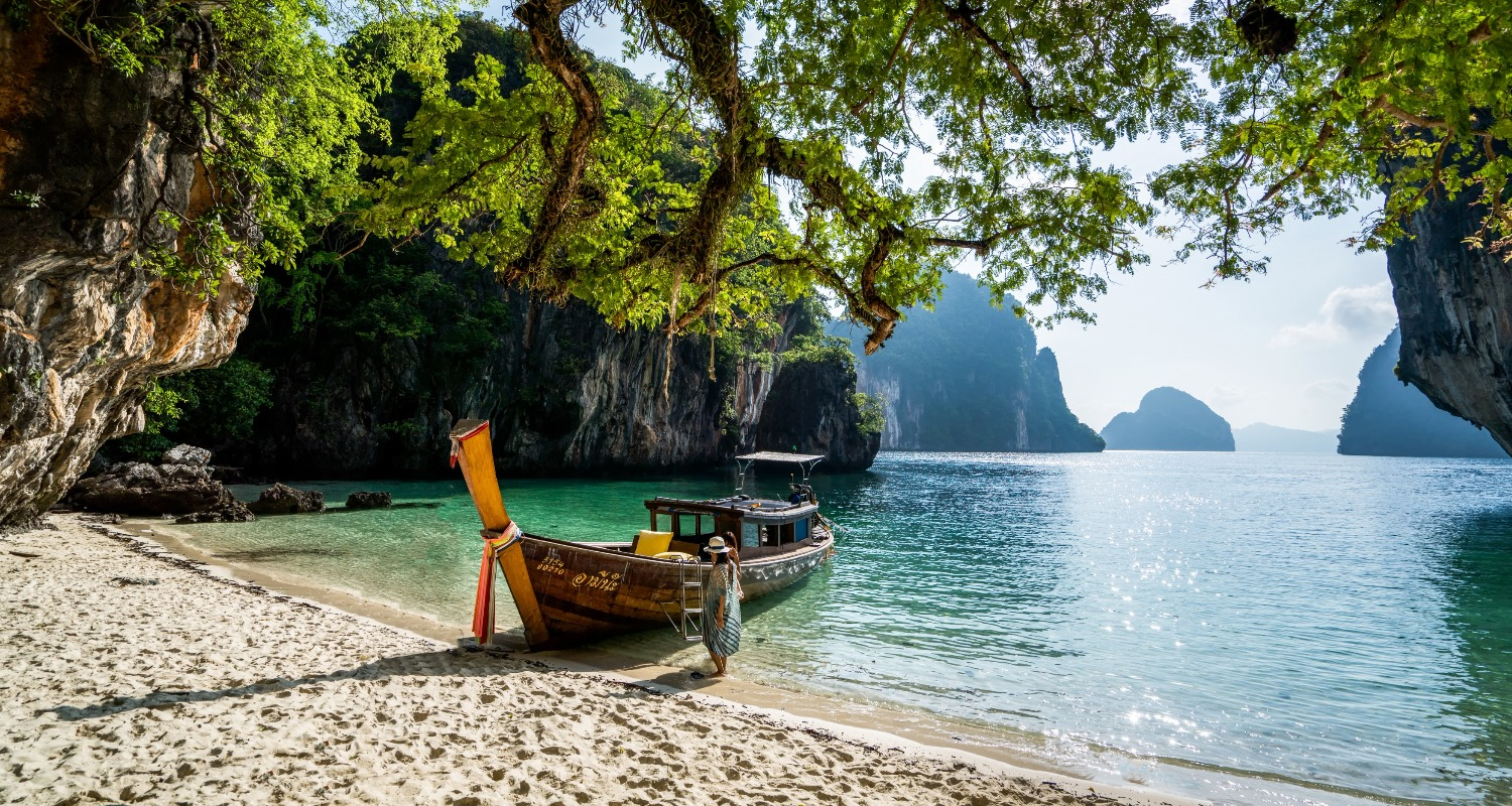 Longtail_boat_island_hopping-phi-phi