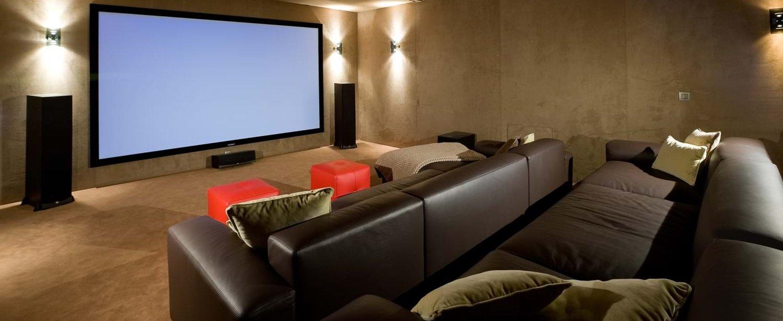 villa-mare-e-monte-corsica-cinema-room