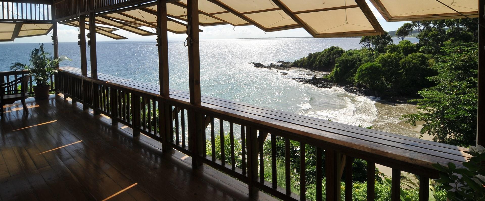 villa-ohana-tobago-beach-view-deck