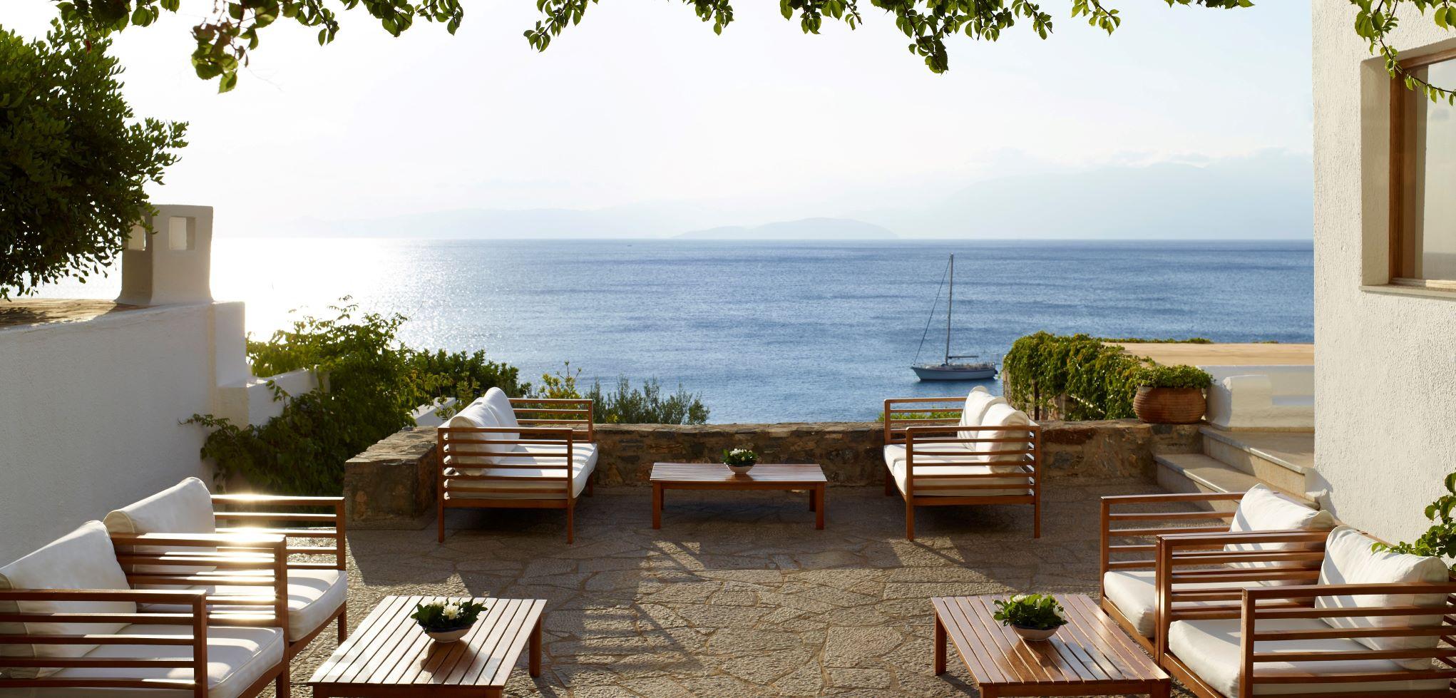 elounda-mare-karavia-bar-terrace