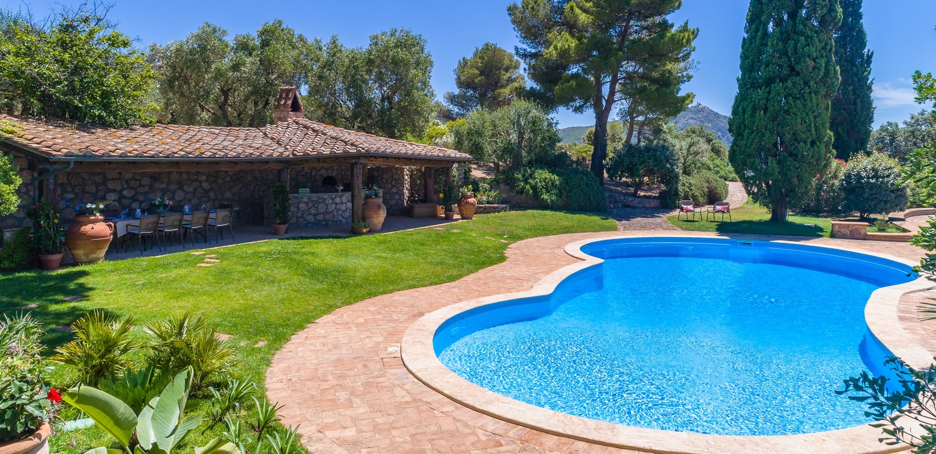 luxury-7-bed-villa-tuscany