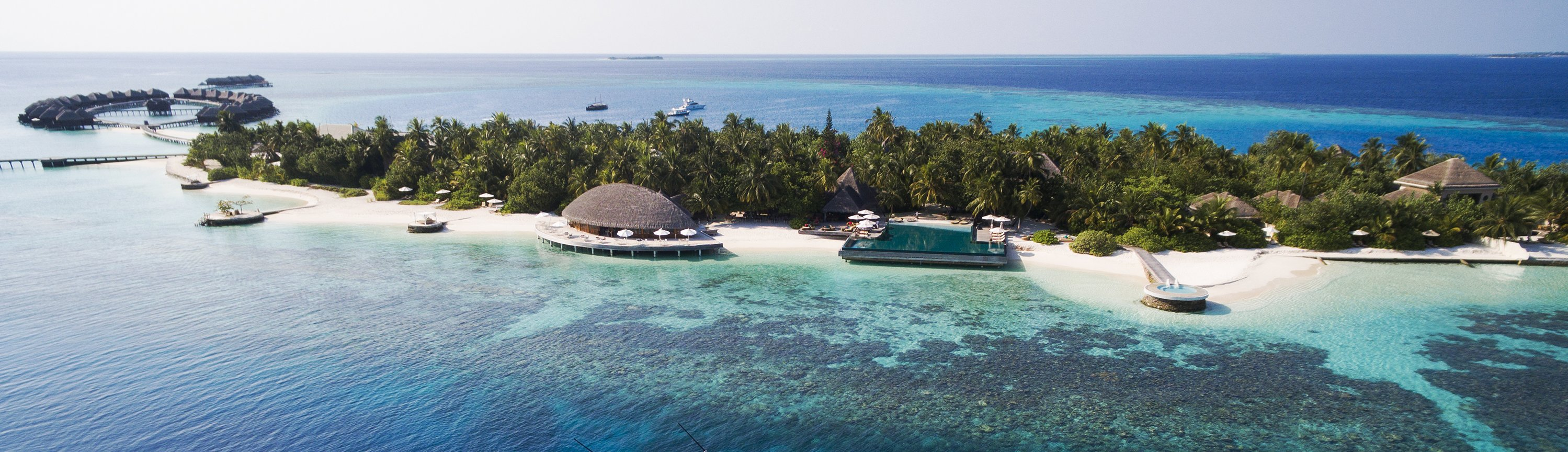 huvafen-fushi-maldives-aerial-view