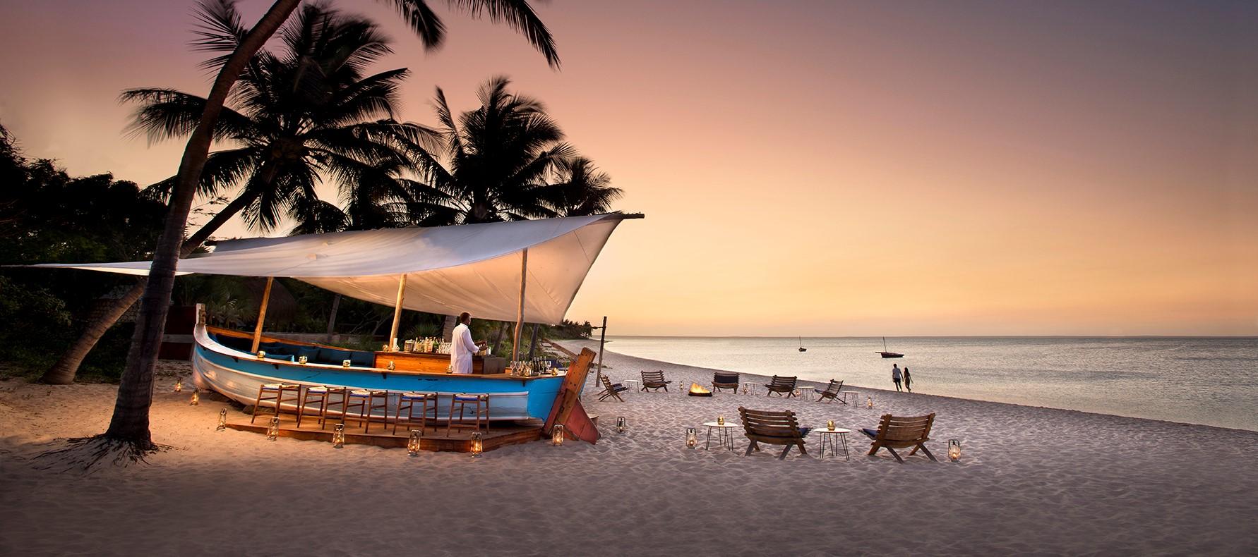 benguerra-island-dhow-beach-bar