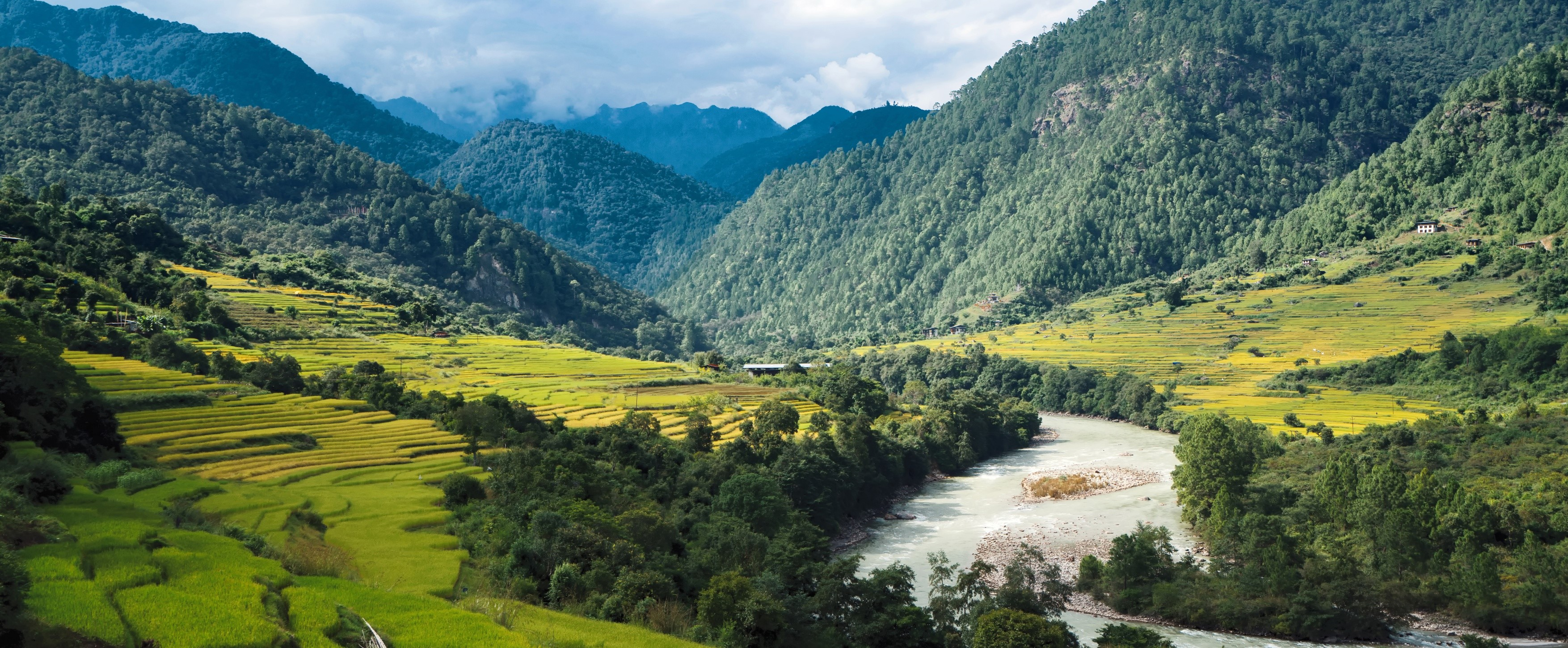 Punakha-river-Valley-bhutan