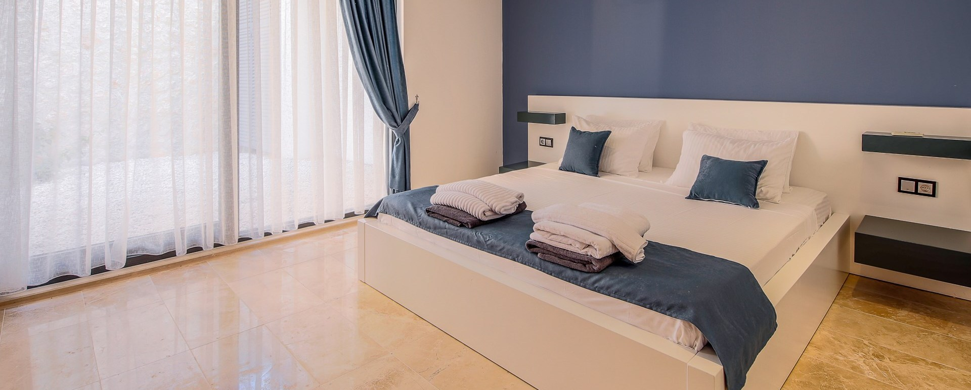 villa-neyla-double-bedroom-3