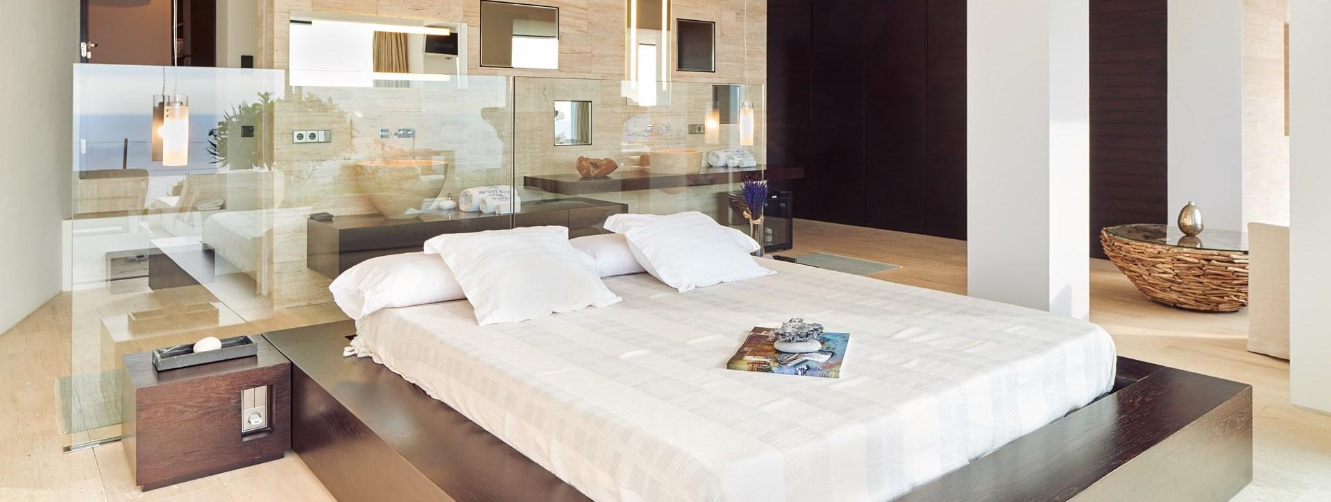 villa-can-castello-master-bedroom