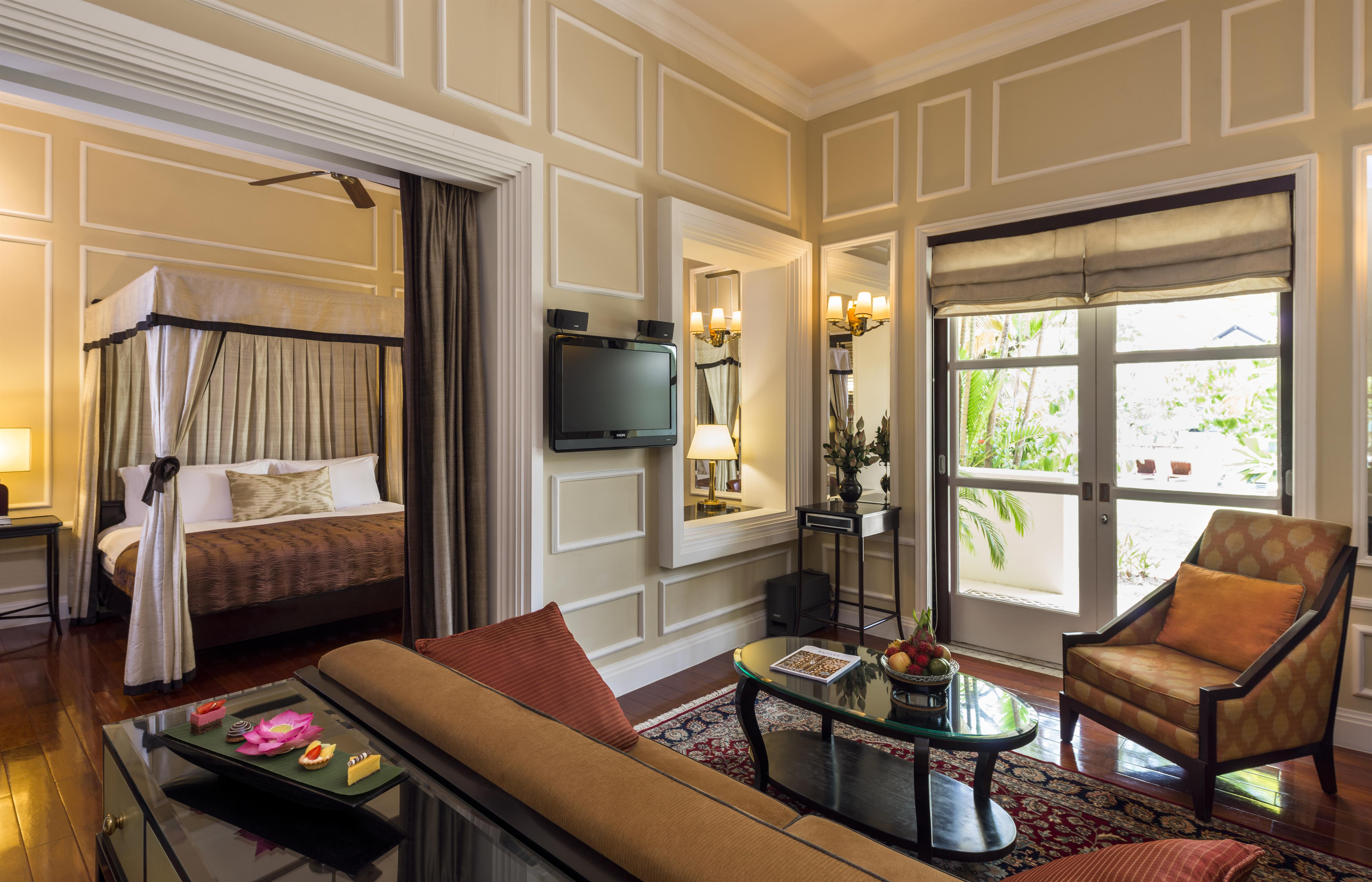 cabana-suite-raffles-grand-hotel