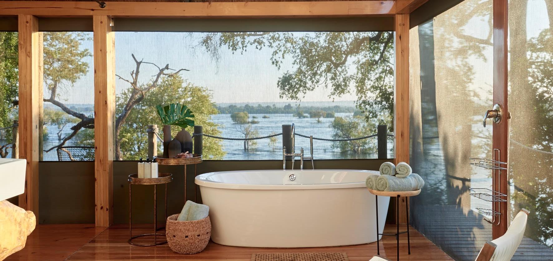 zambezi-river-lodge-luxury-bathroom