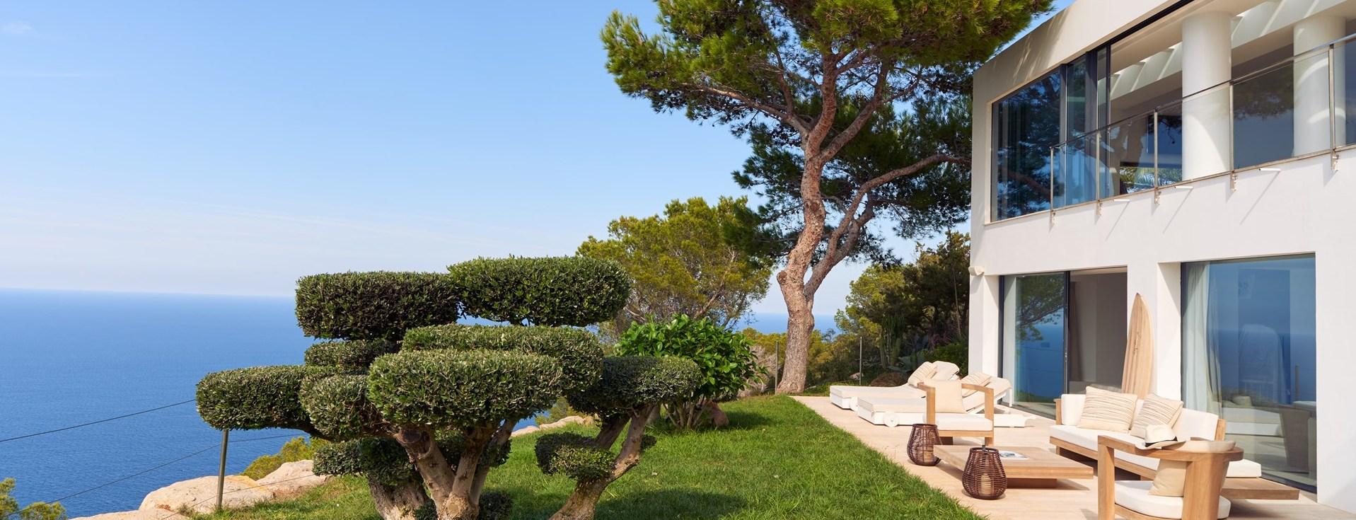 can-castello-garden-terrace