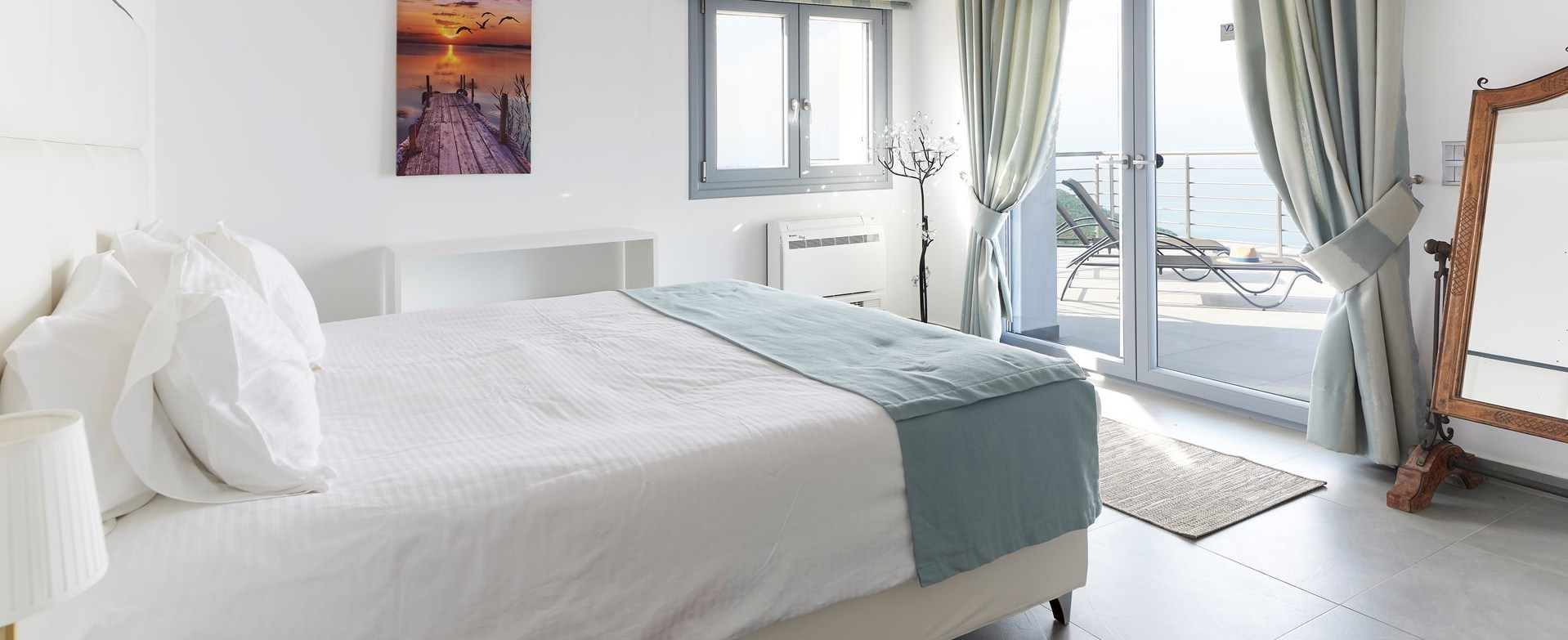 luxury-corfu-villa-master-bedroom