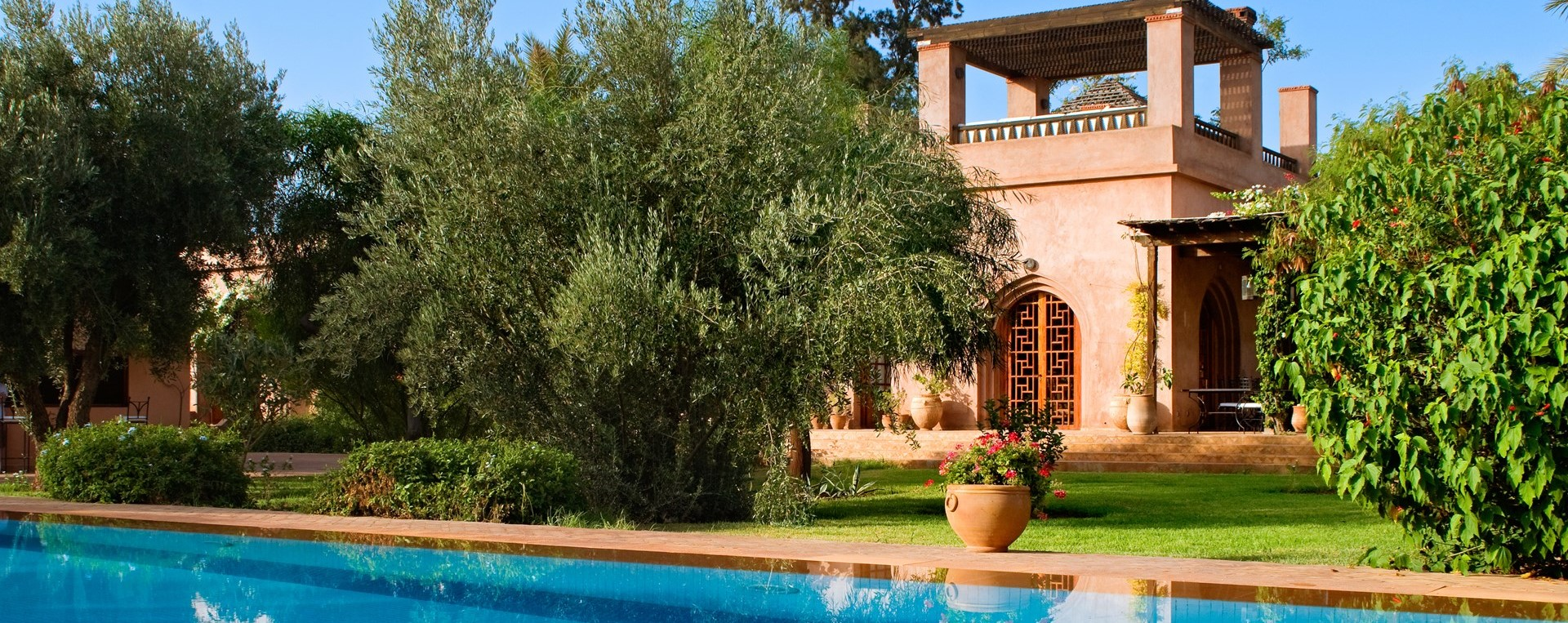 large-family-pool-villa-marrakech
