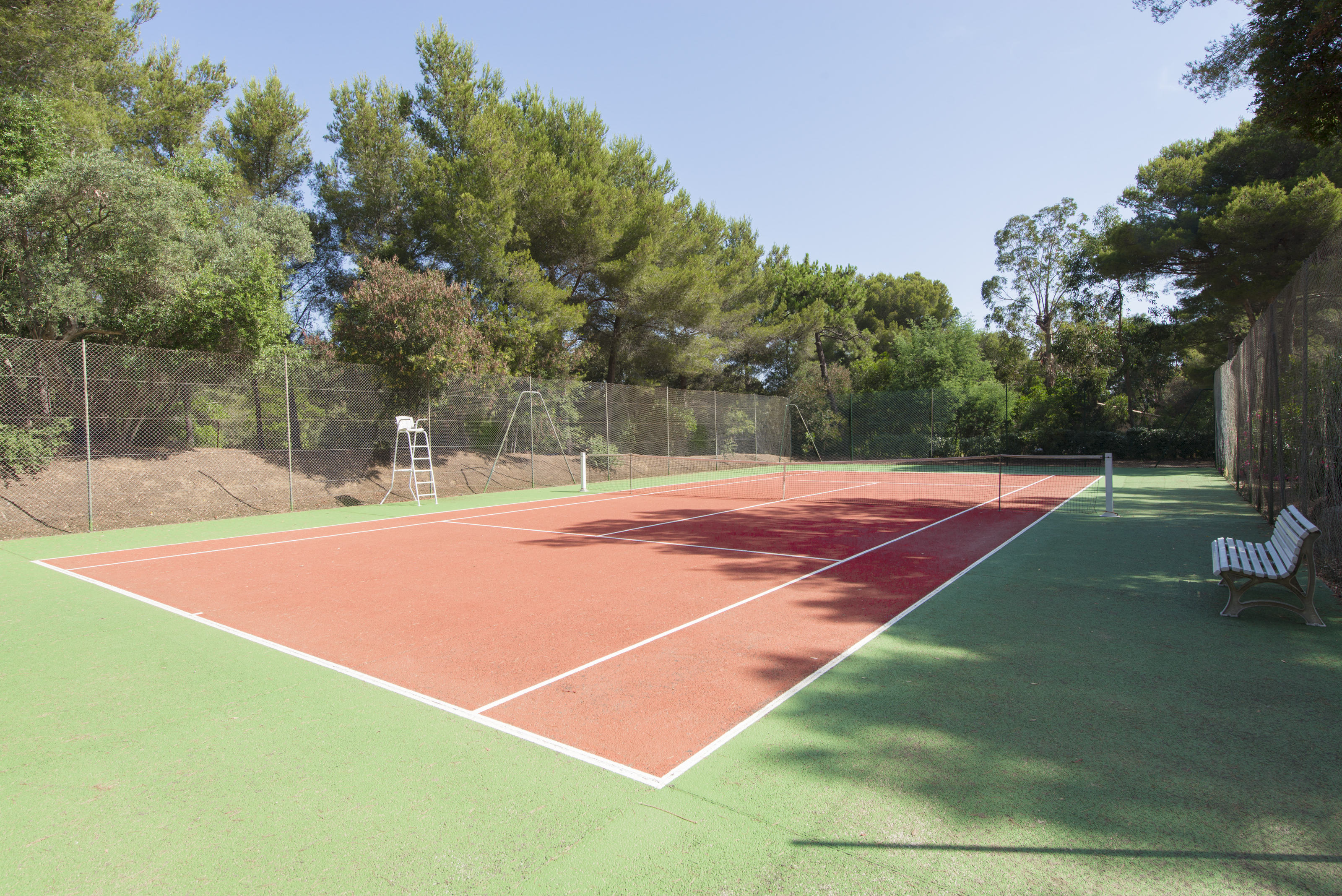villa-with-tennis-court-cote-dazur