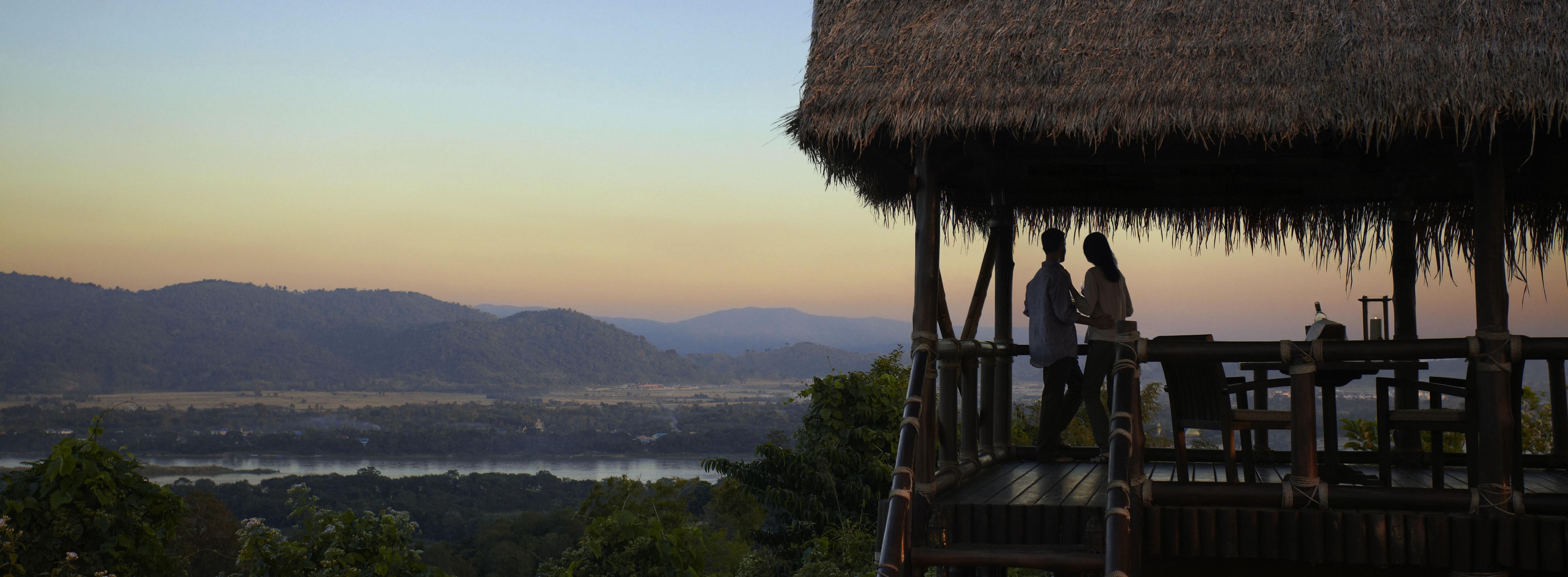 Hilltop_sunset_sala_anantara