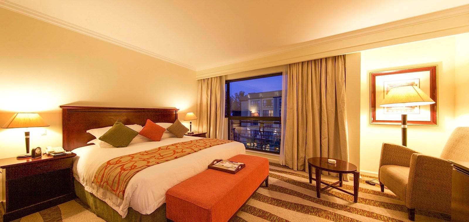 Deluxe_Room_kigali_serena