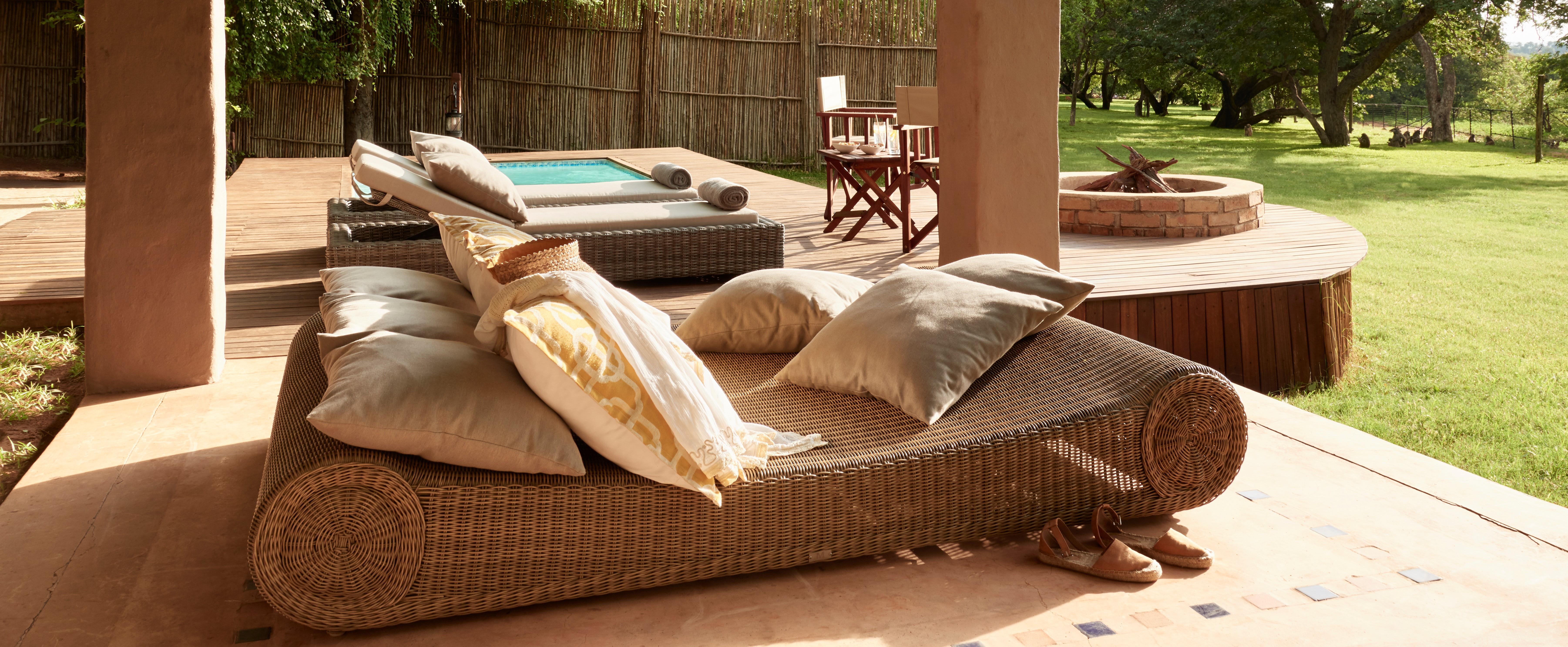 chobe-chilwero-honeymoon-suite-deck
