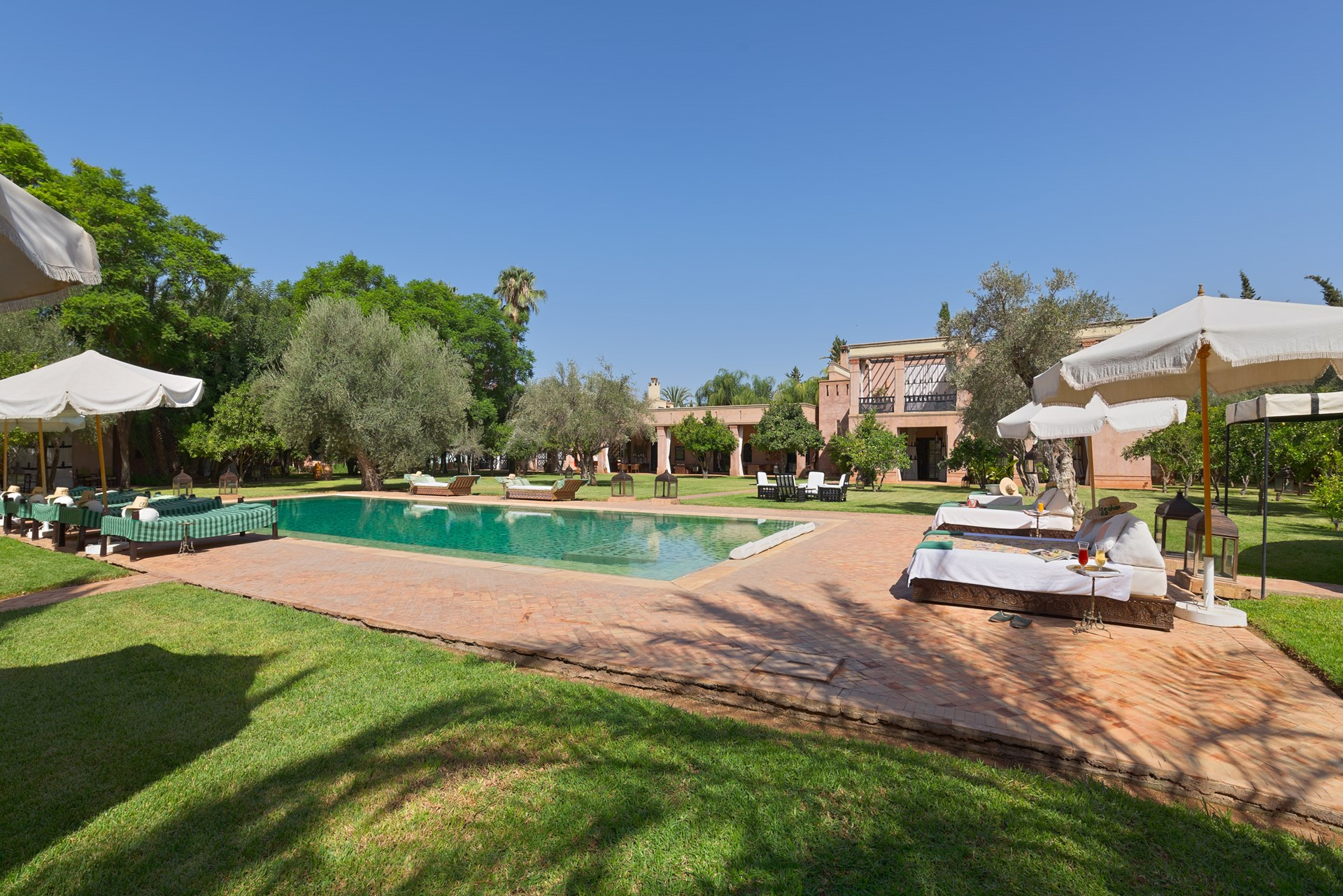 large-luxury-family-villa-marrakech