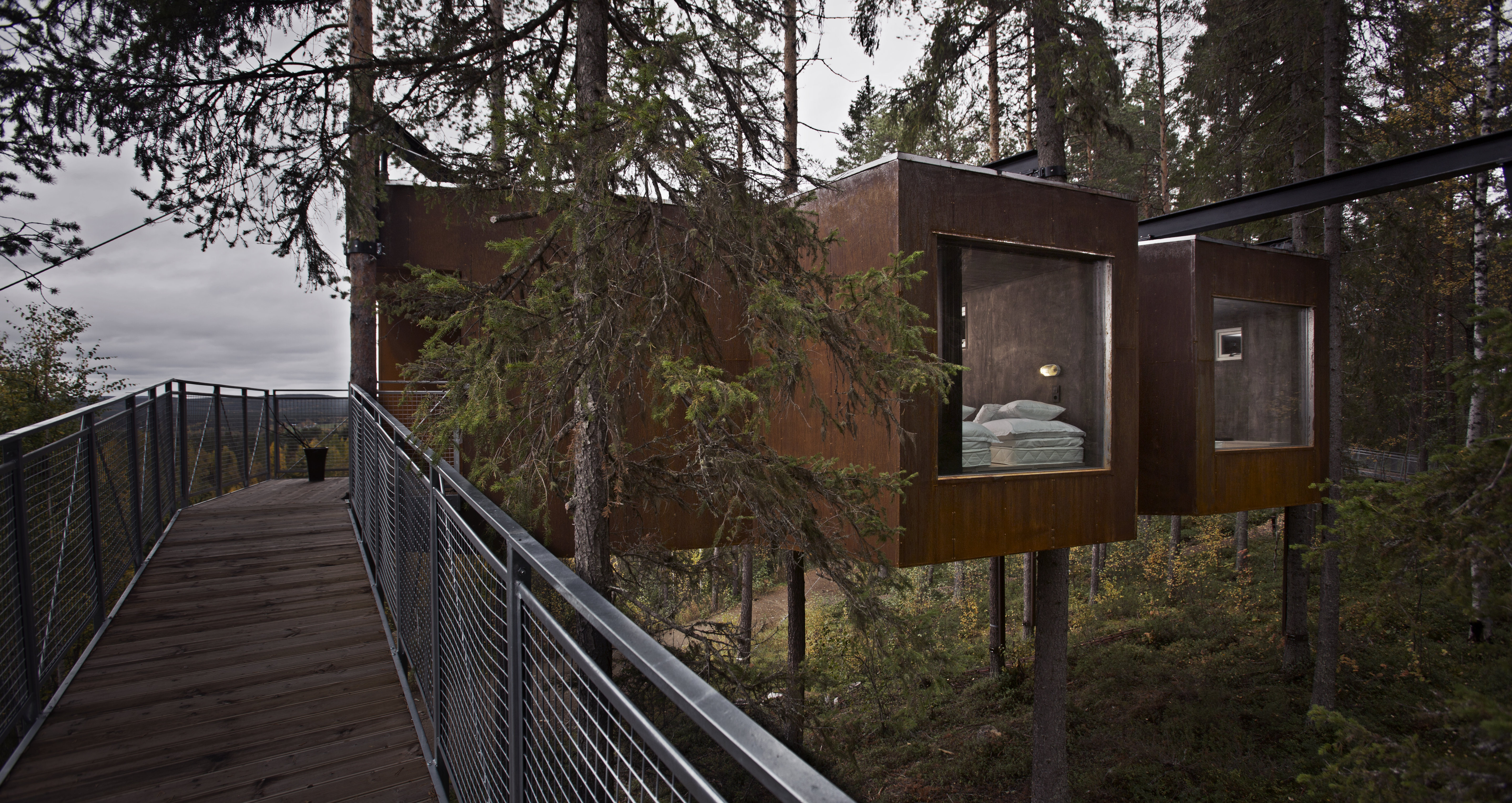 treehotel-dragonfly-exterior
