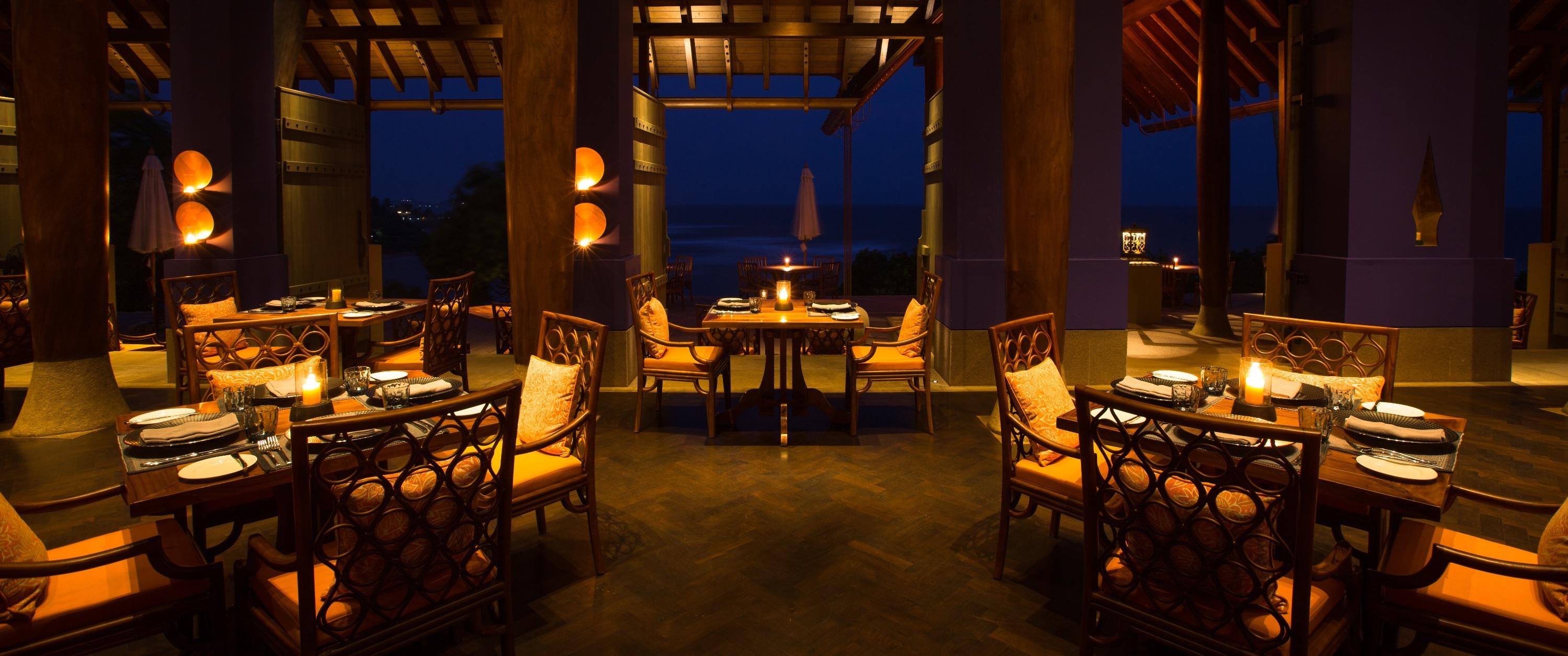 Ocean-Terrace-dining