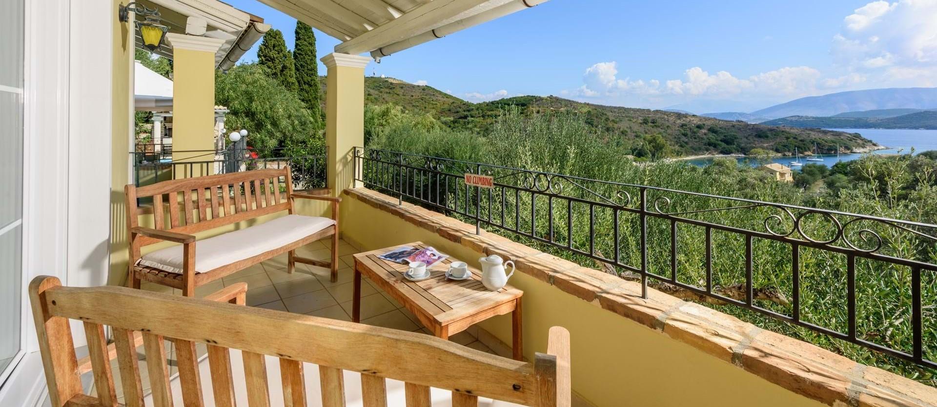 villa-giorgos-corfu-bedroom-terrace