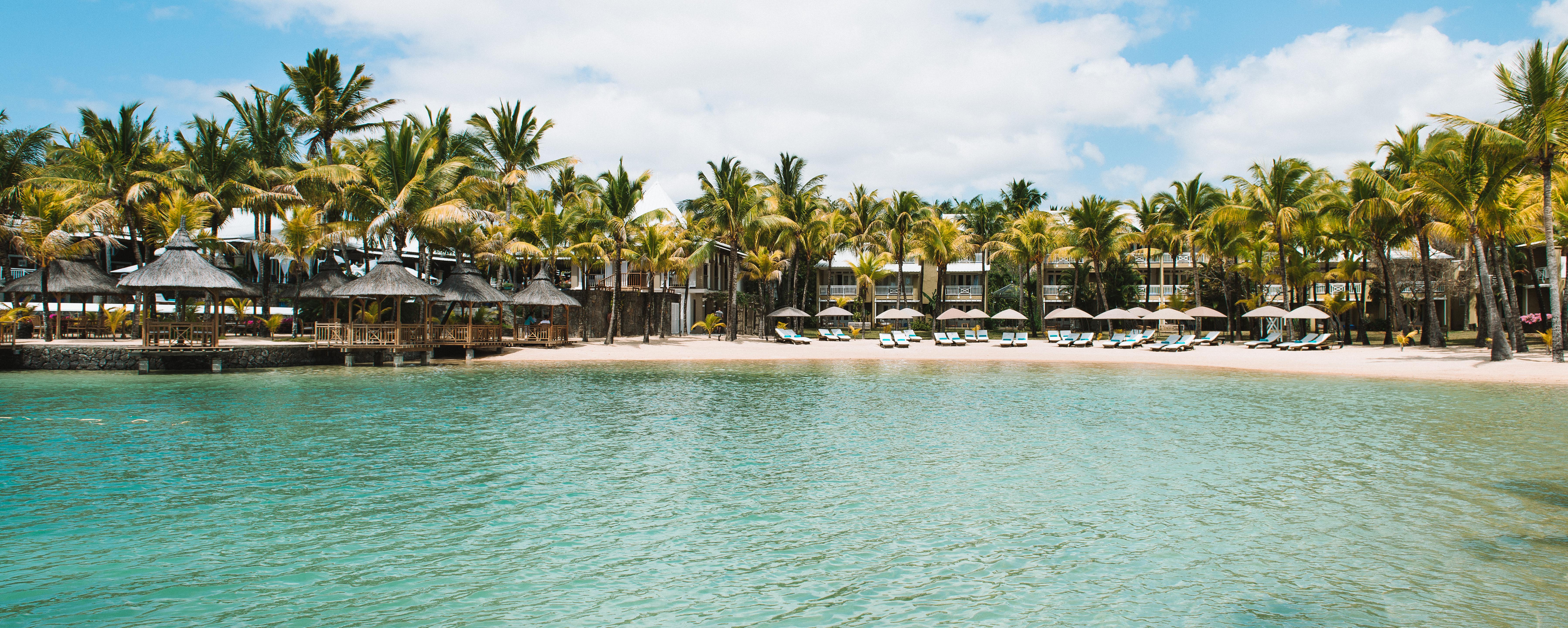 paradise-cove-boutique-hotel-facade