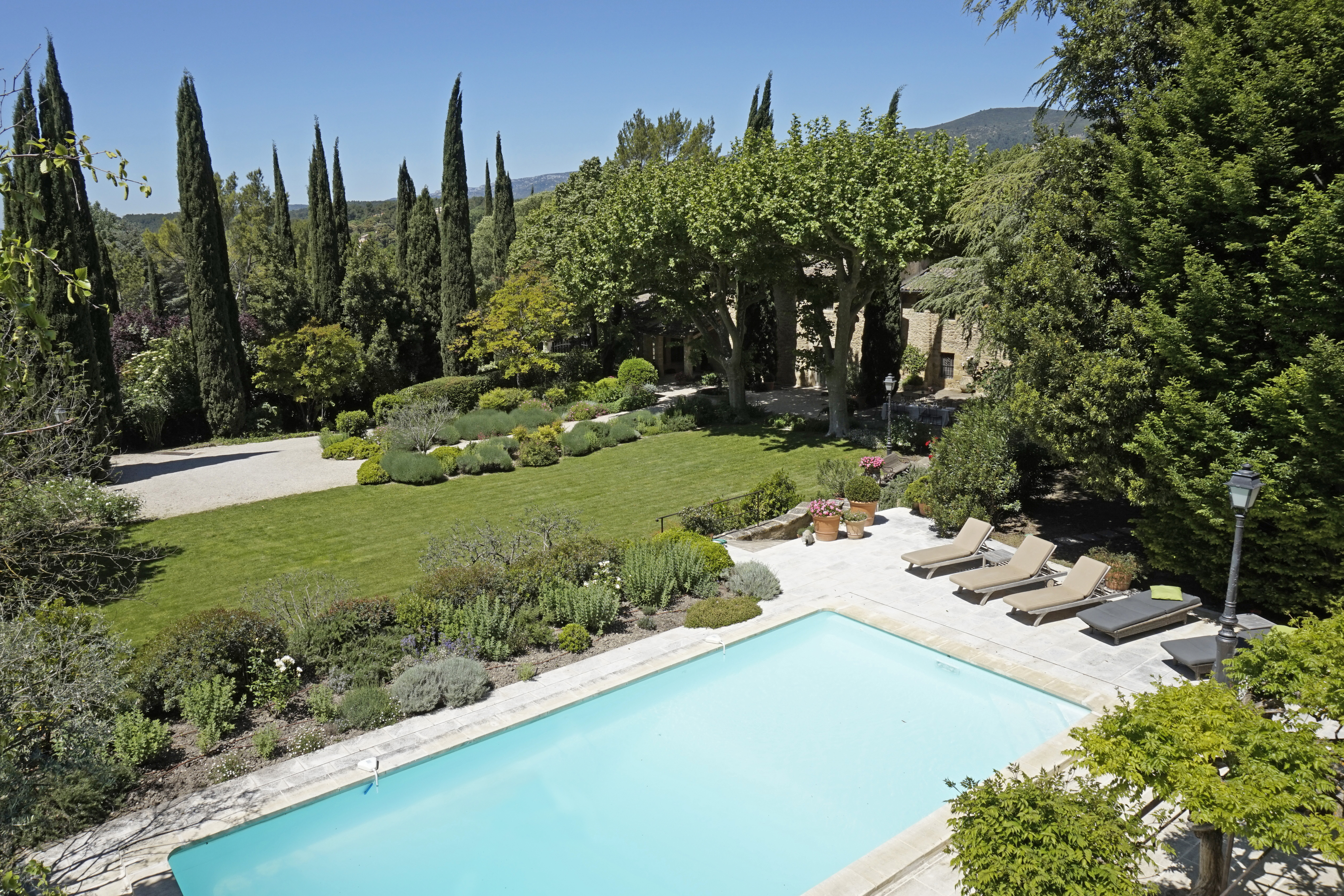 luxury-5-bed-house-to-rent-provence