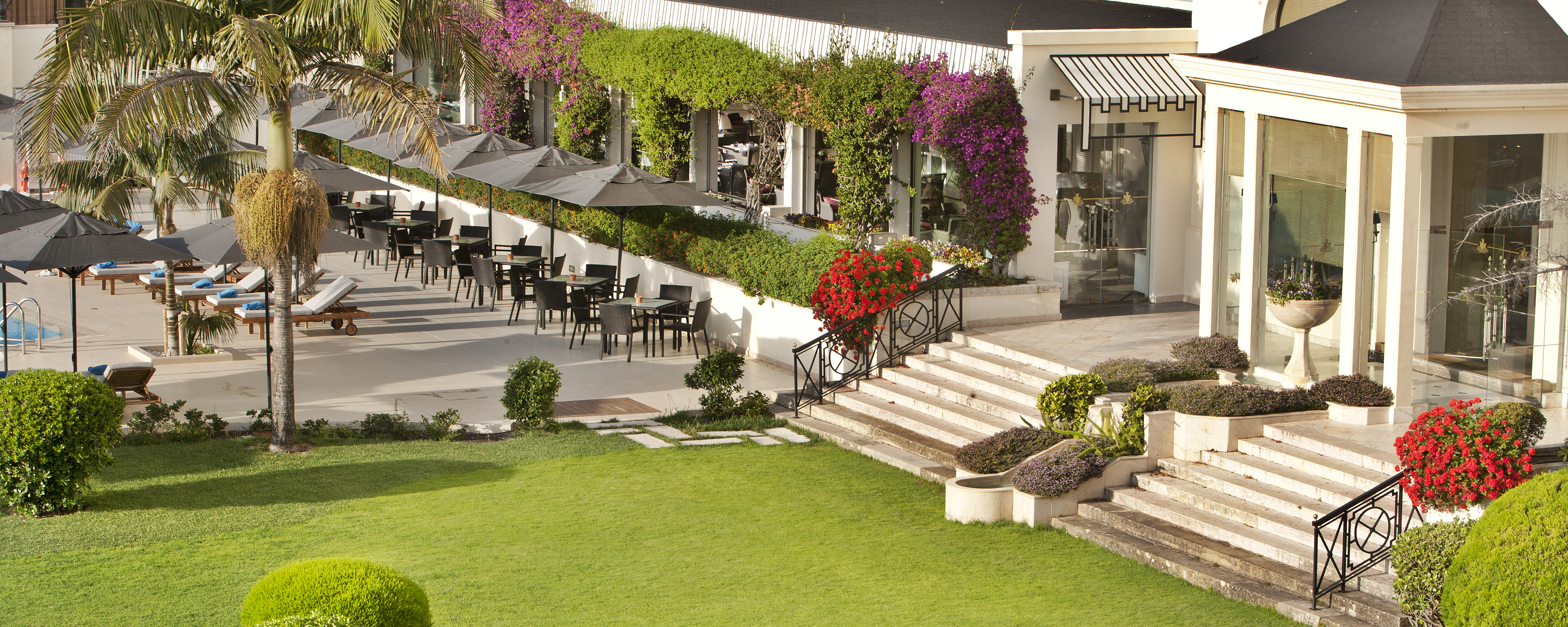 poolside-terrace-palacio-estoril