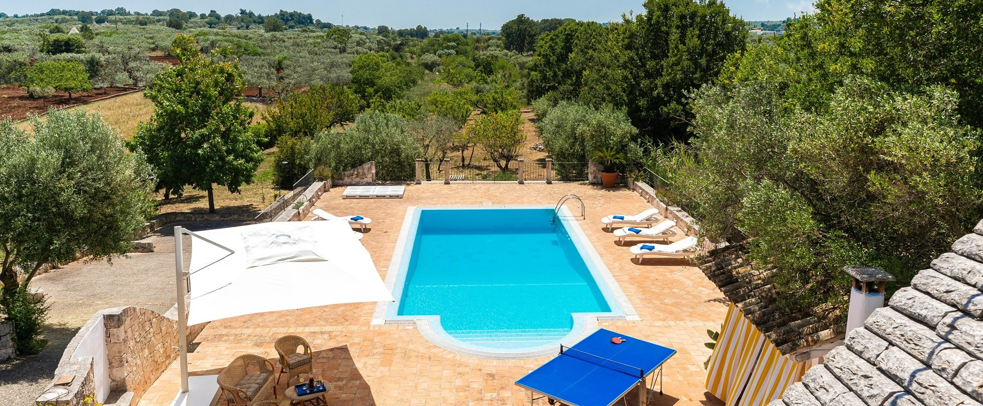 trulli-volpe-swimming-pool-aerial