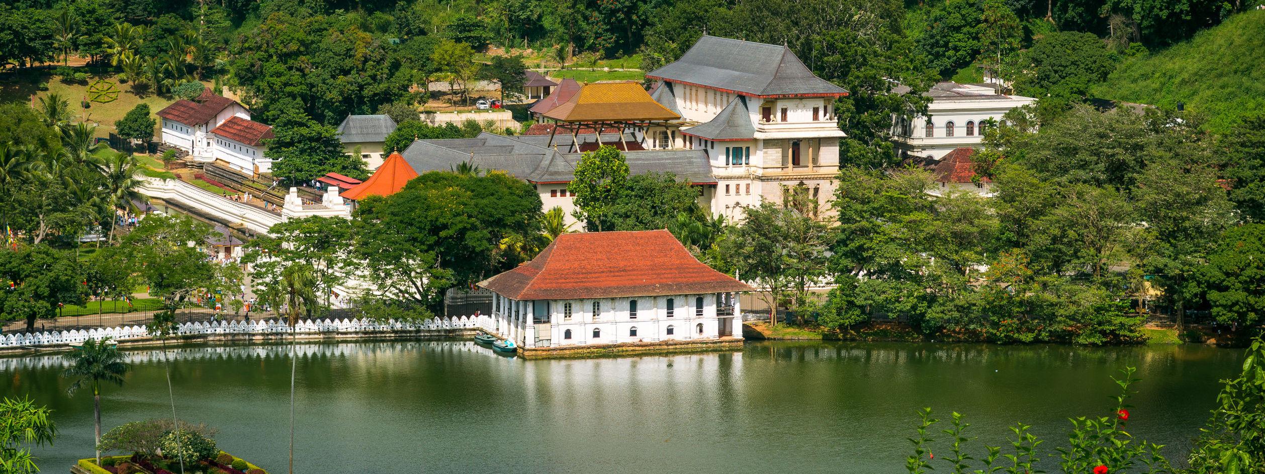 kandy-temple-sri-lanka