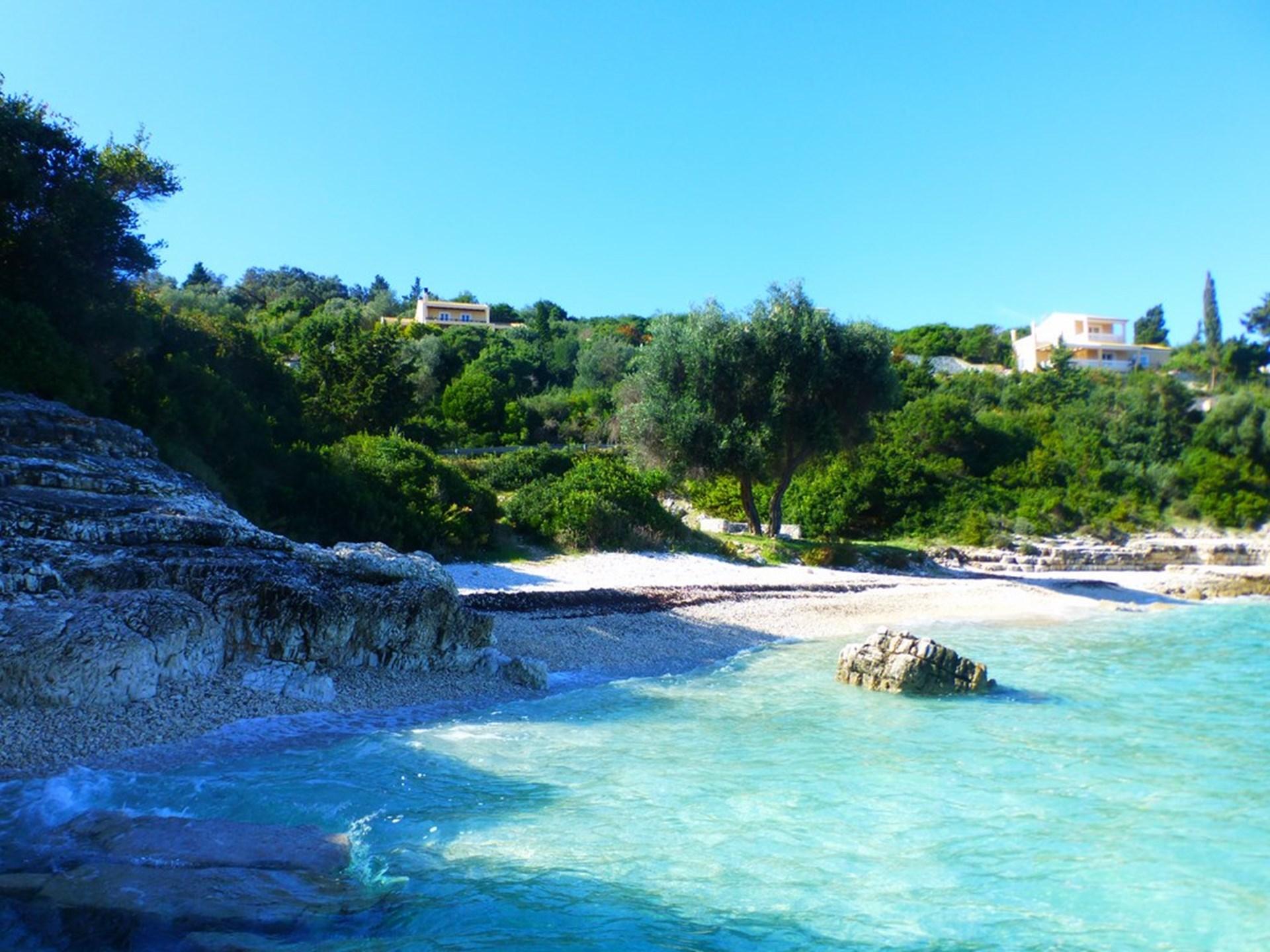 4-bed-family-villa-beach-paxos