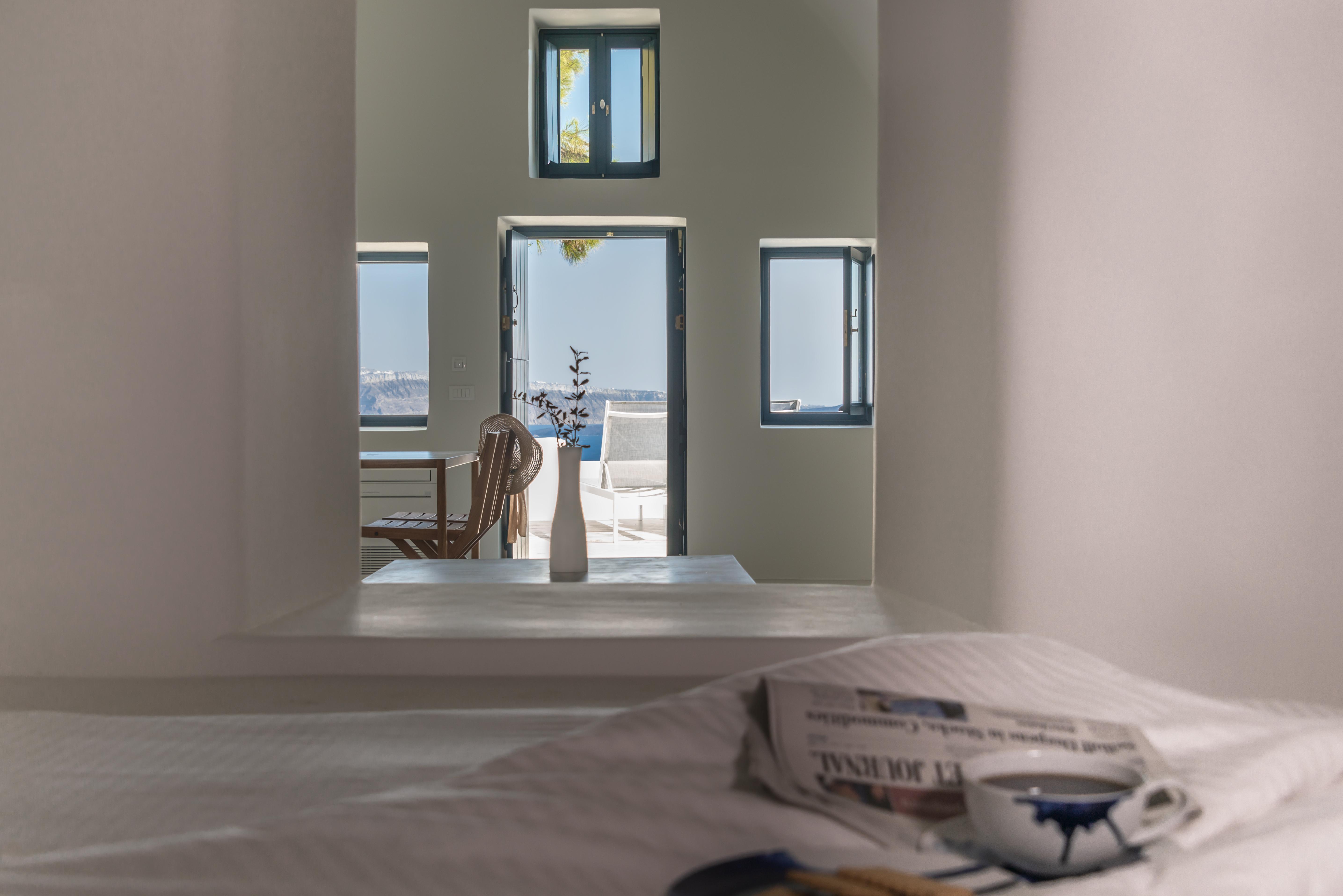 caldera-view-luxury-santorini-villa