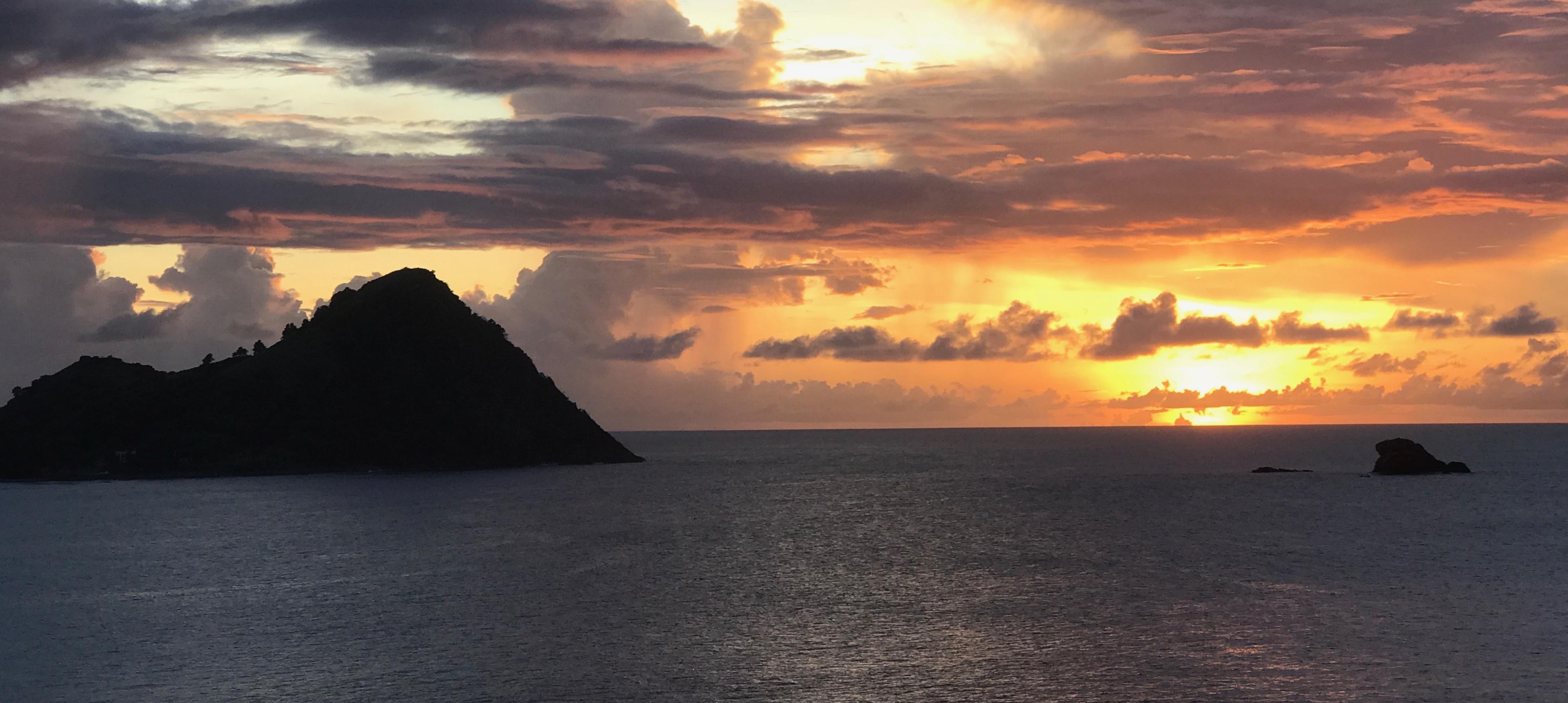 cap-maison-sunset-view