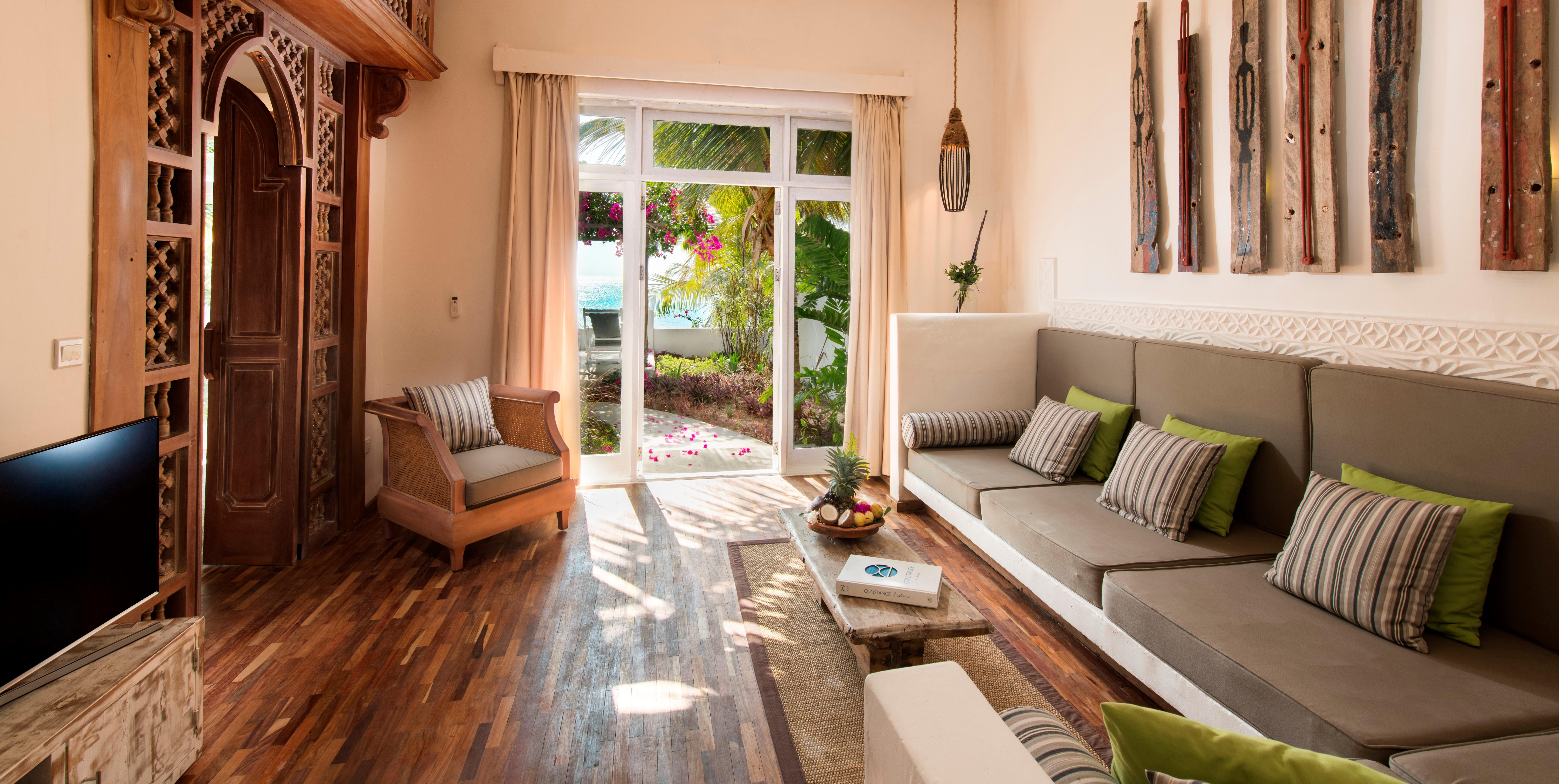 Constance-Aiyana-beach-villa-lounge