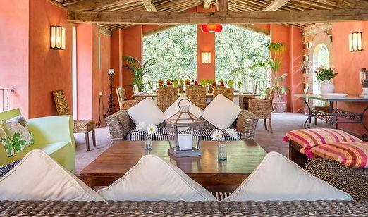 10-bedroom-luxury-villa-lucca-tuscany.jp