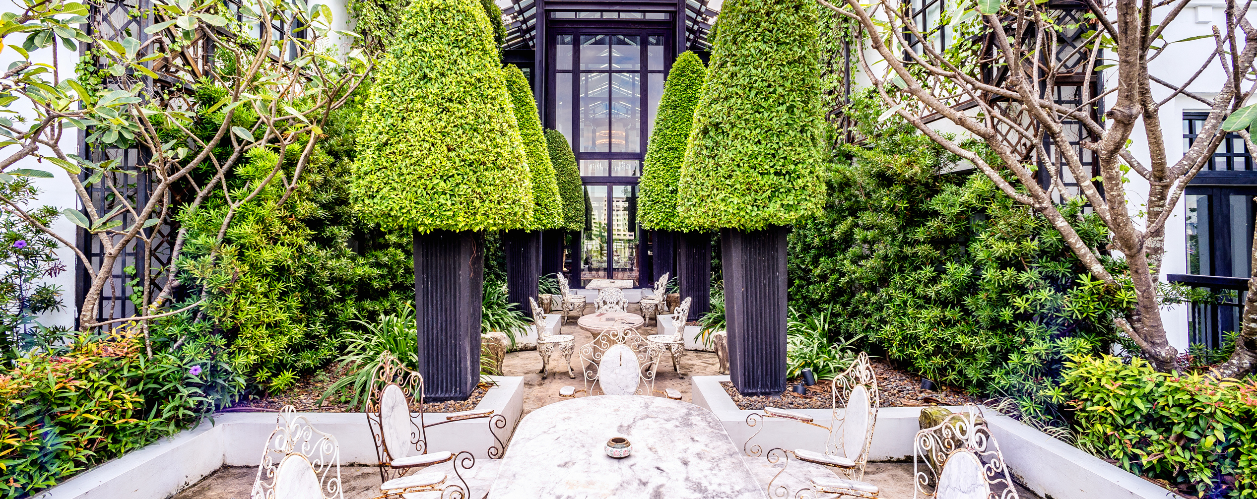 The-Siam-Hotel-English-Garden