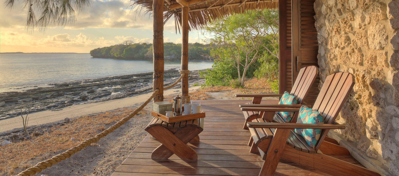 azura_quilalea_villa_deck_seaview
