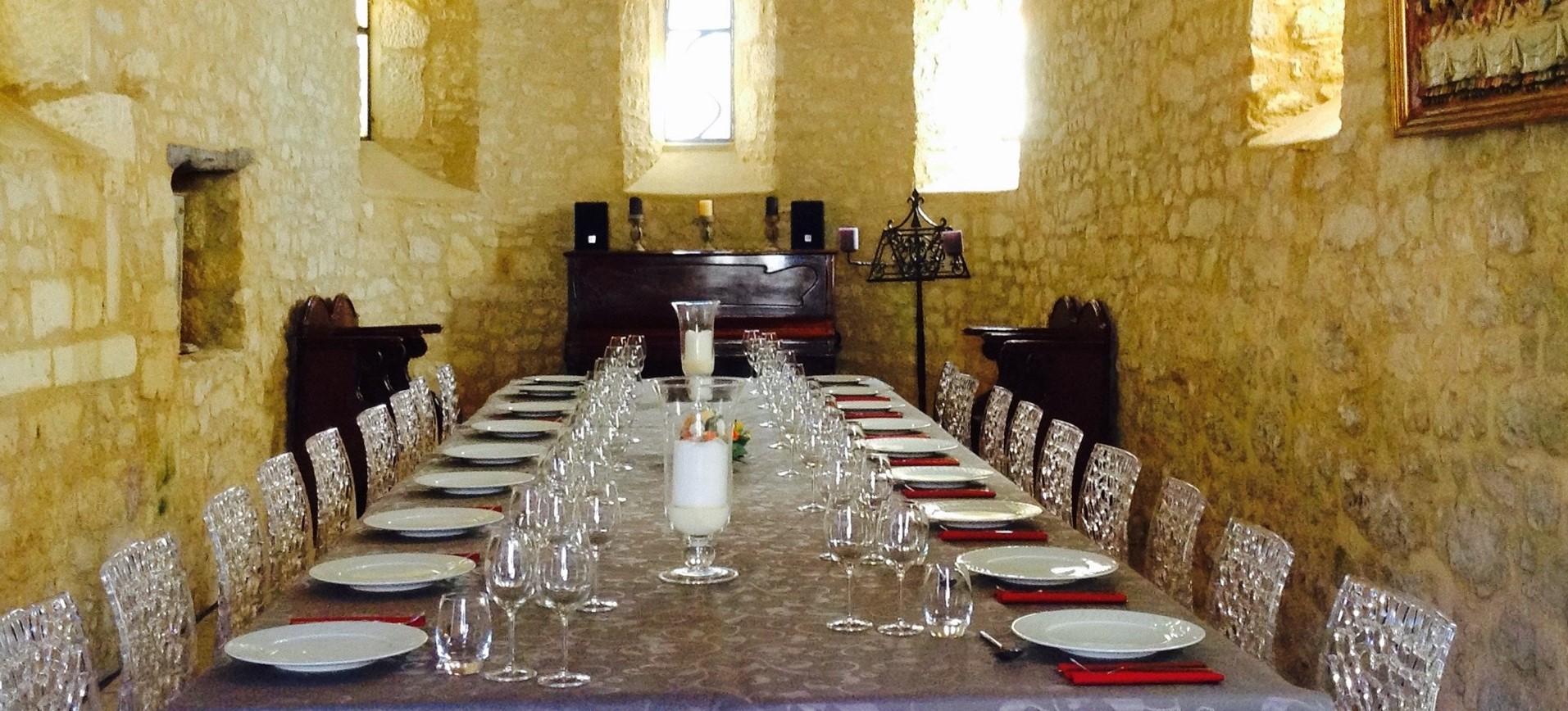 villa-le-village-dining-room-2