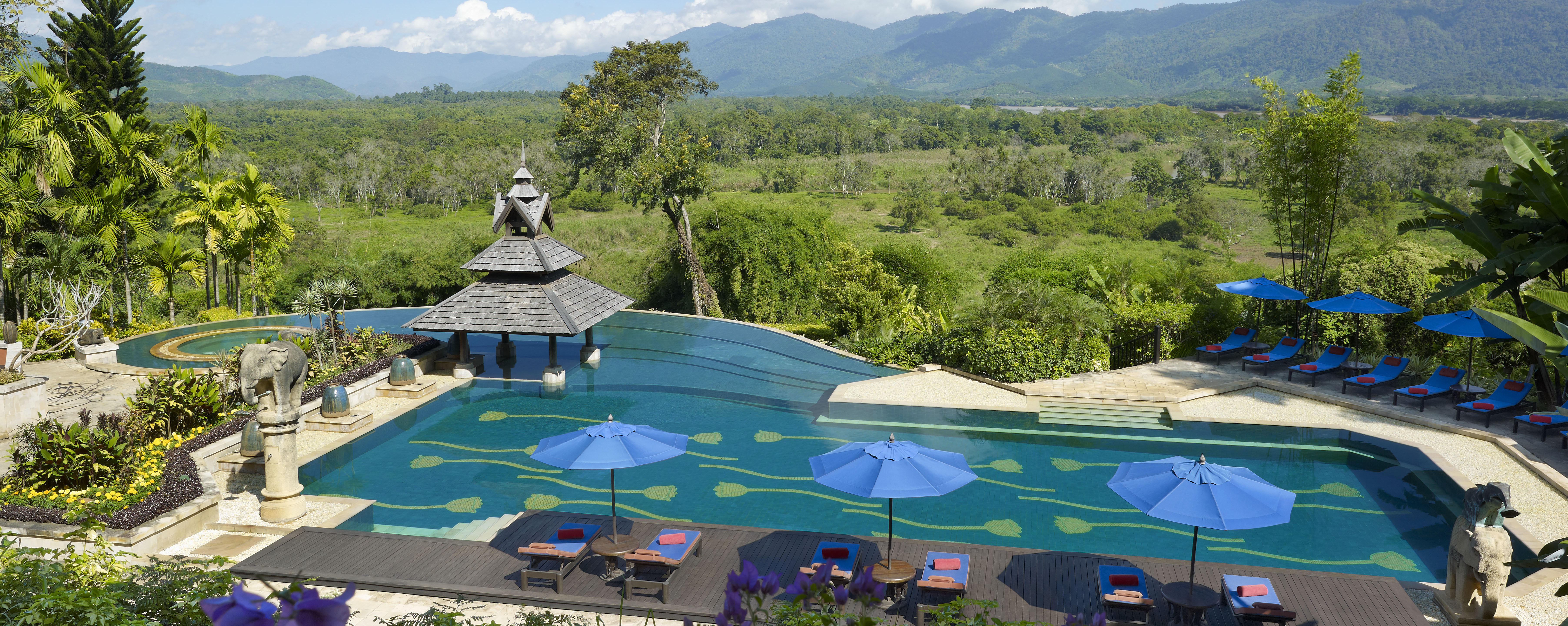 Pool_overview_anantara