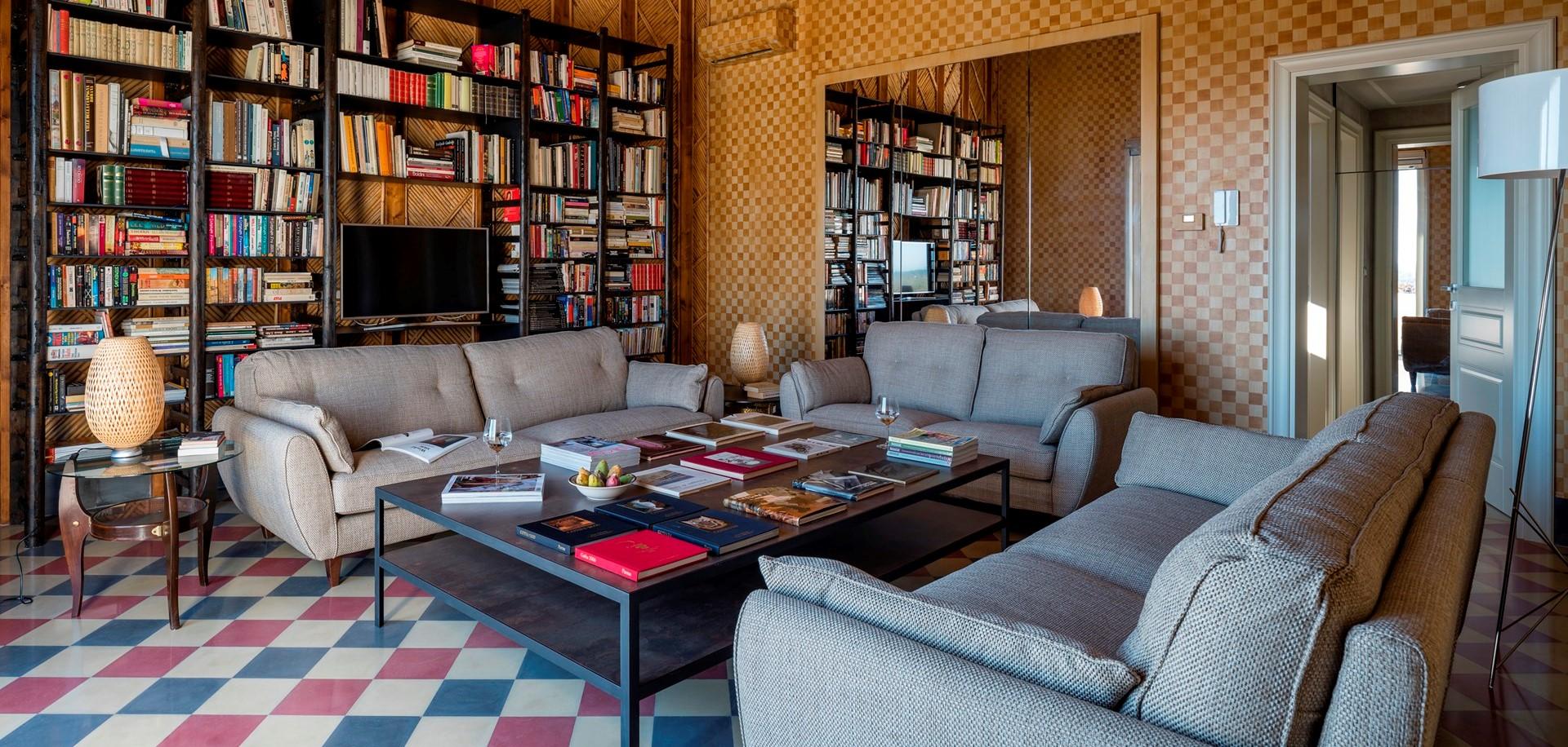 villa-dell-aquila-sitting-room-3