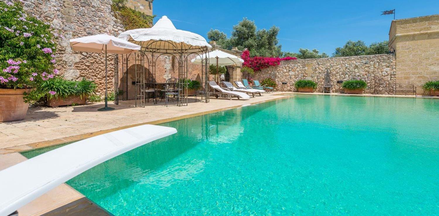 luxury-4-bedroom-pool-villa-puglia