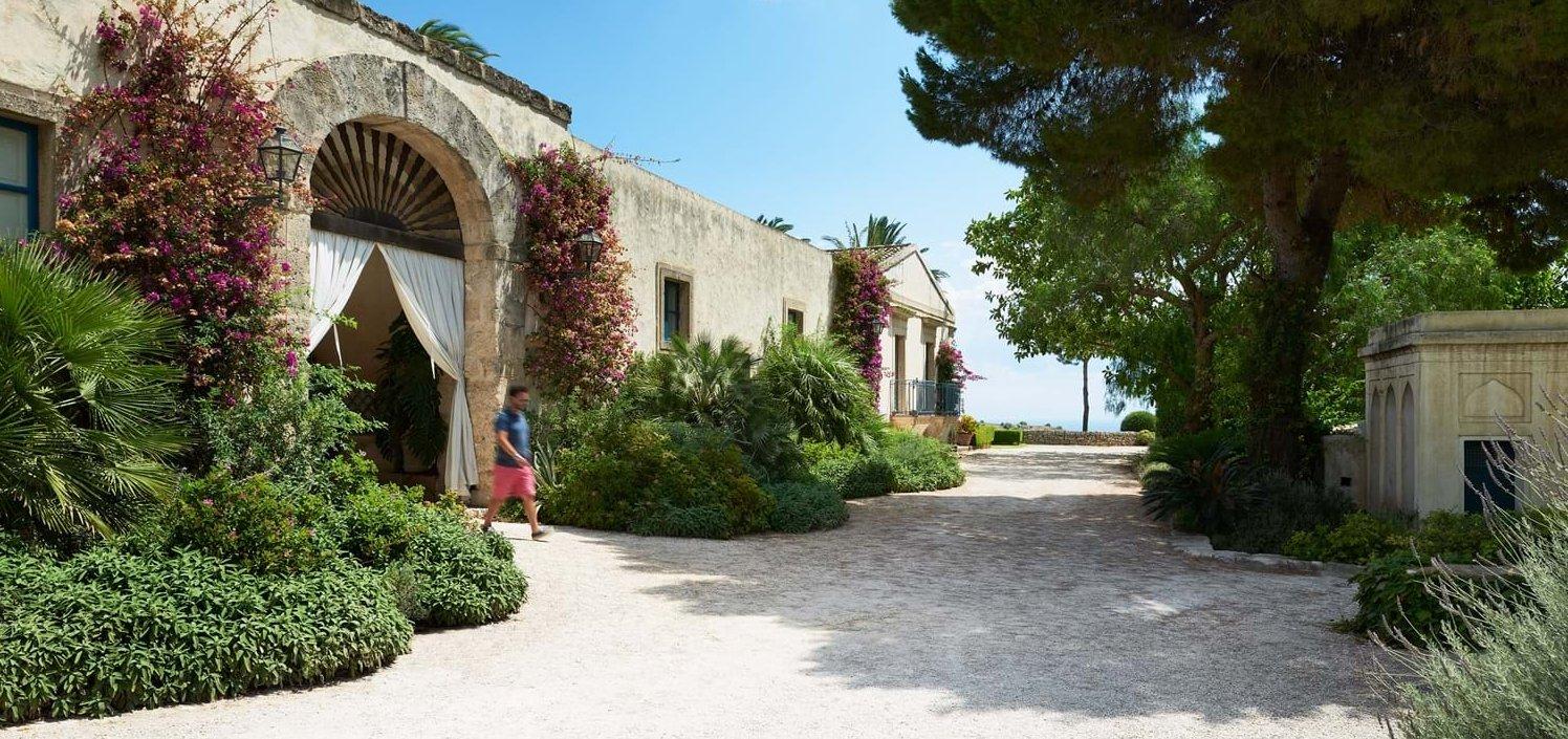 entrance-to main-courtyard